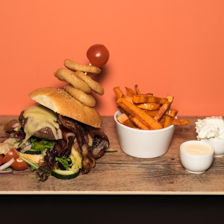 MANDAG - Stor heimelaga burger