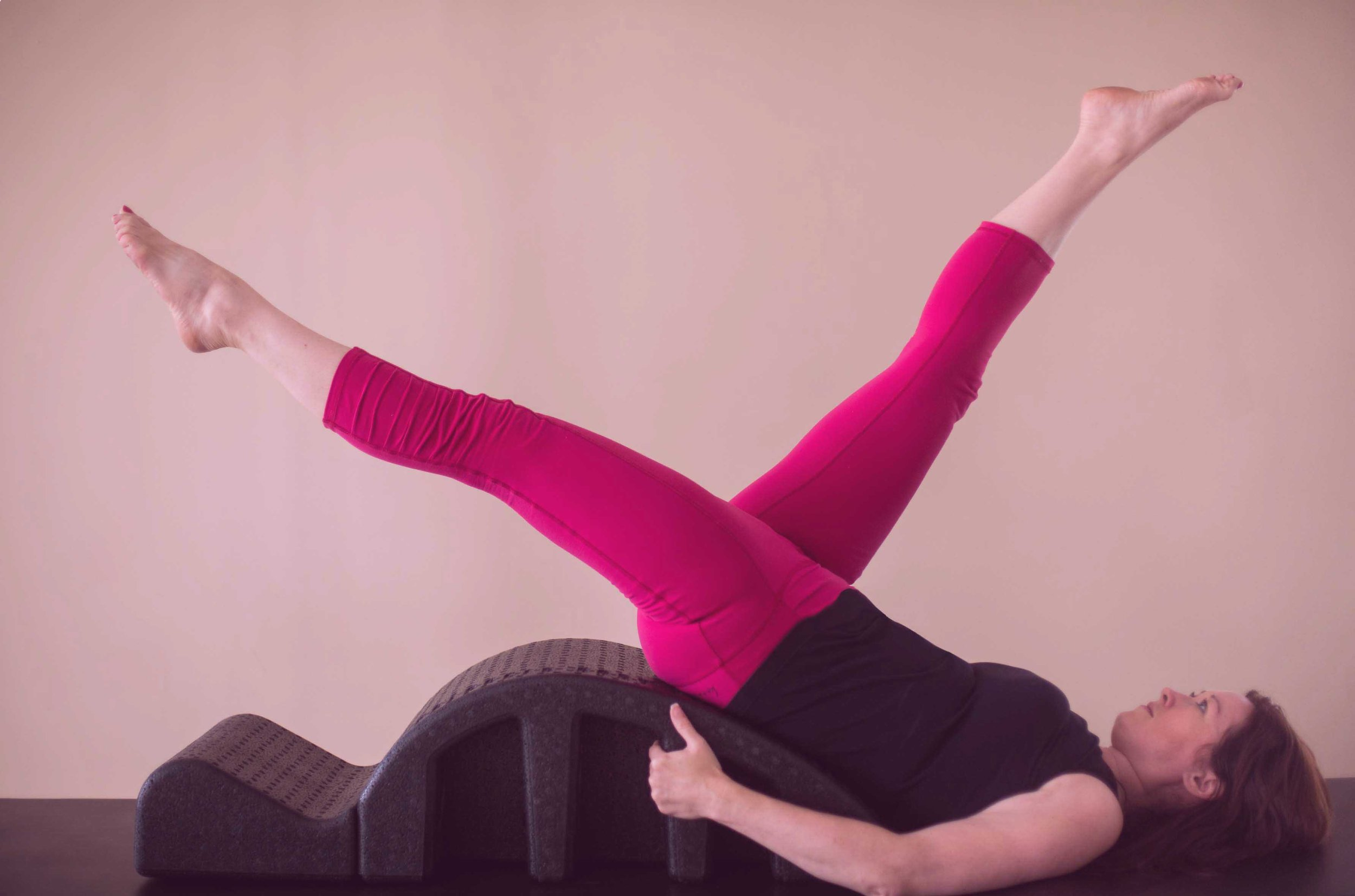 The arc barrel offers a way to actively support a client in positions that might otherwise be out of reach, opening through the torso to allow for a deeper and stronger muscle activation. In addition to support, the arc barrel can also create more challenge in an exercise. The support and challenge this piece creates provides a full body workout.