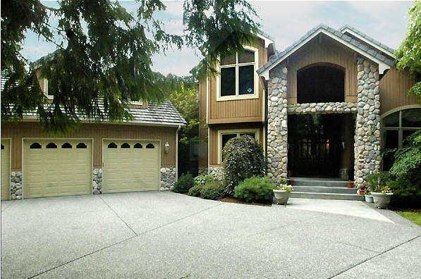 13905 184th Ave NE, Woodinville 98072 | $1,085,000