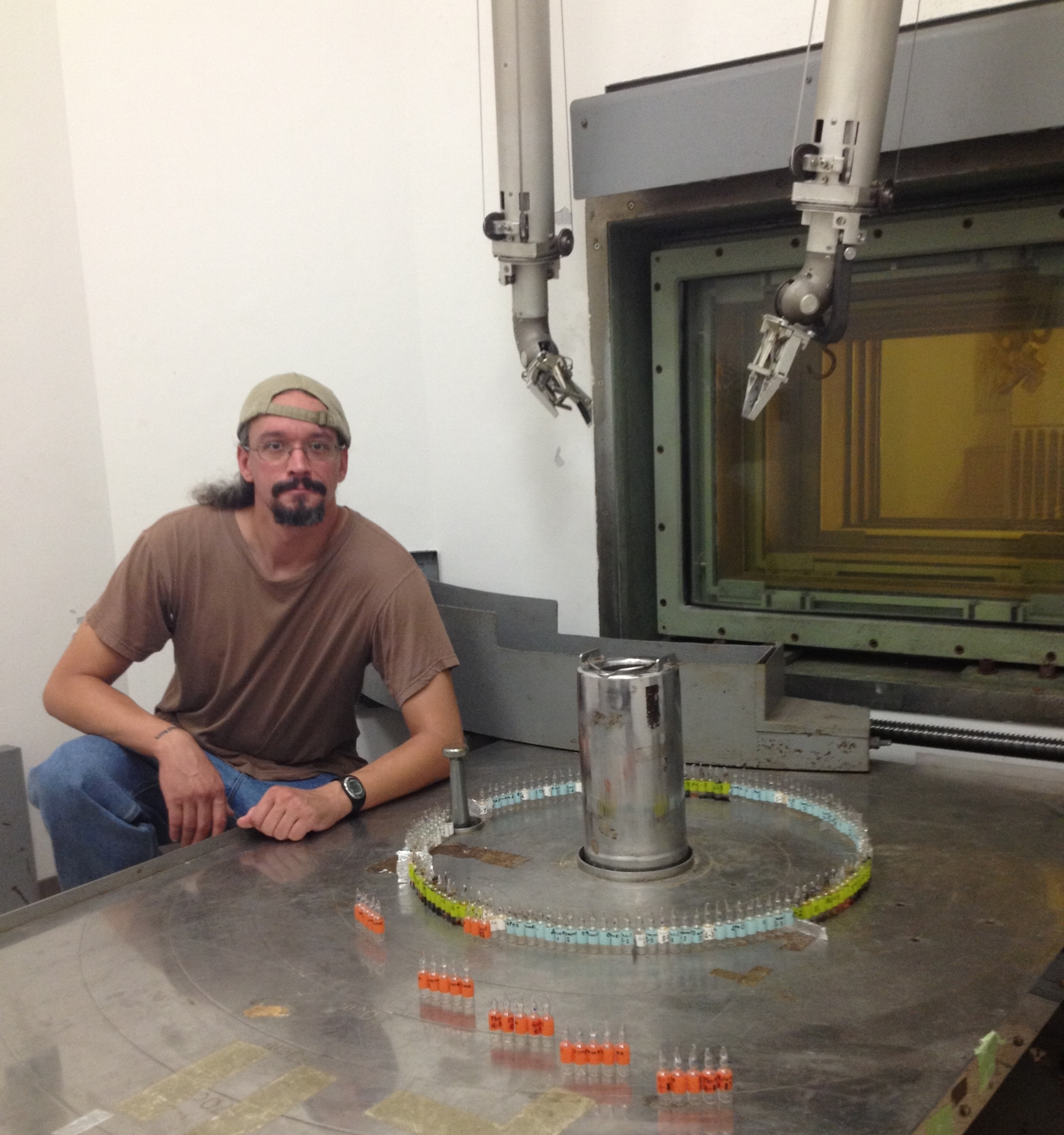 Phillip Hammer with his samples near the gamma radiation source at the Tokyo Institute of Technology.