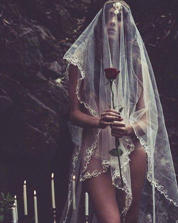 a flower for you • • • 📸: leila joy berney
