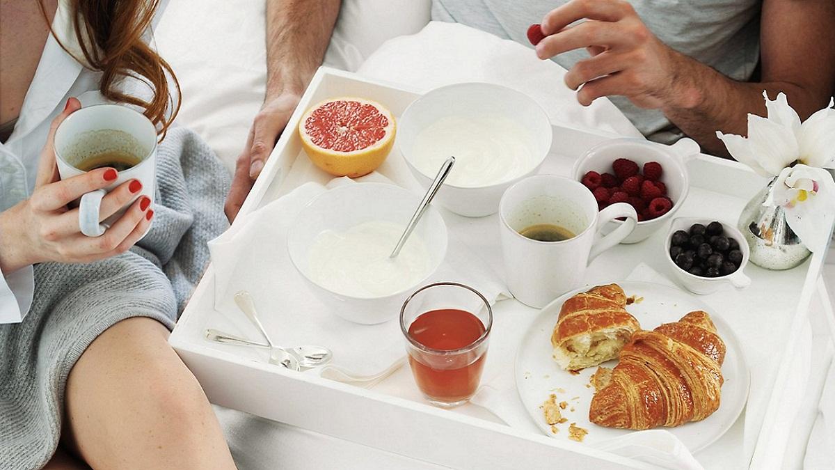 Breakfast-in-bed-tray1.jpg