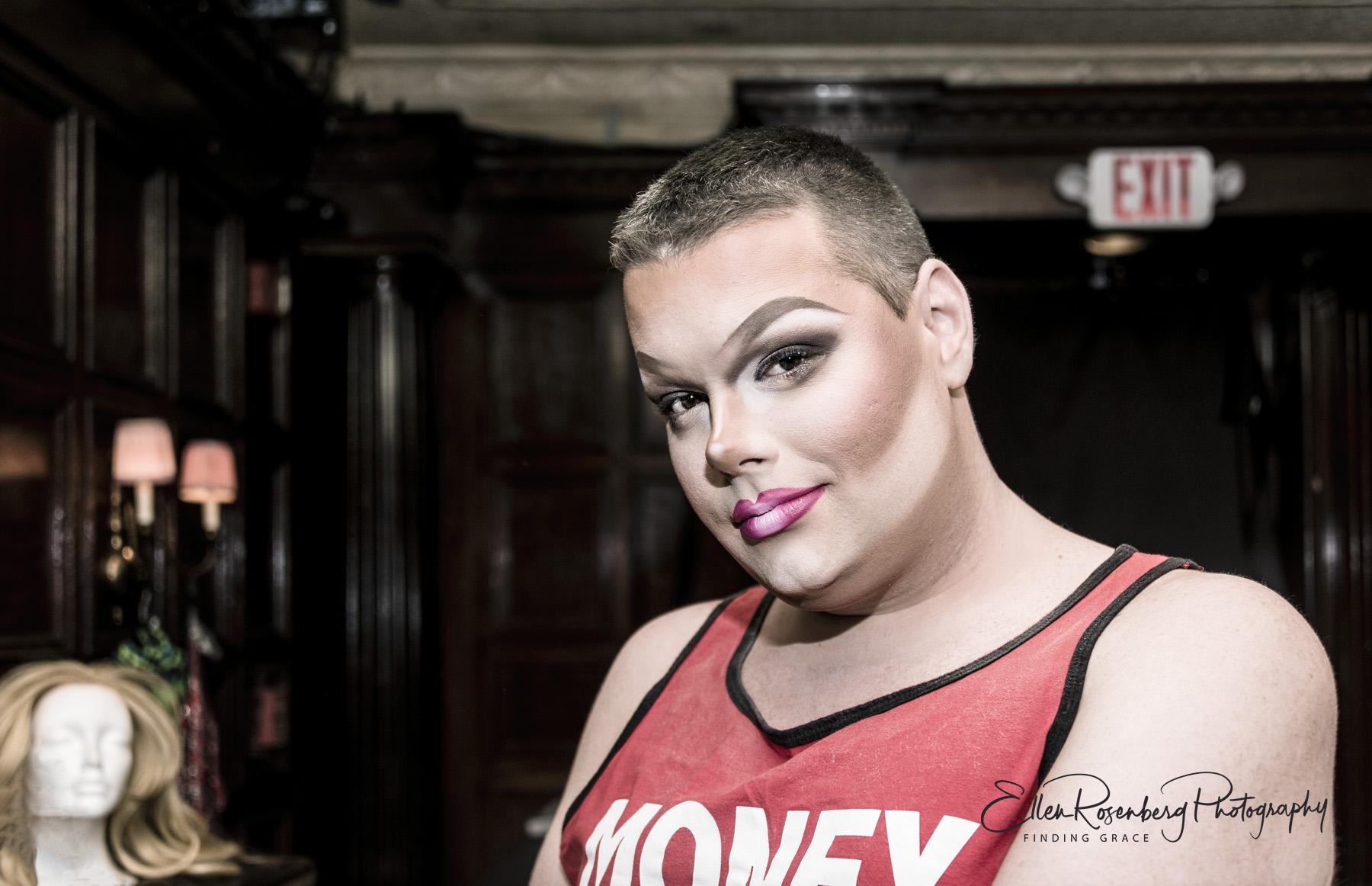 LipstickMond aug2018137logo.jpg
