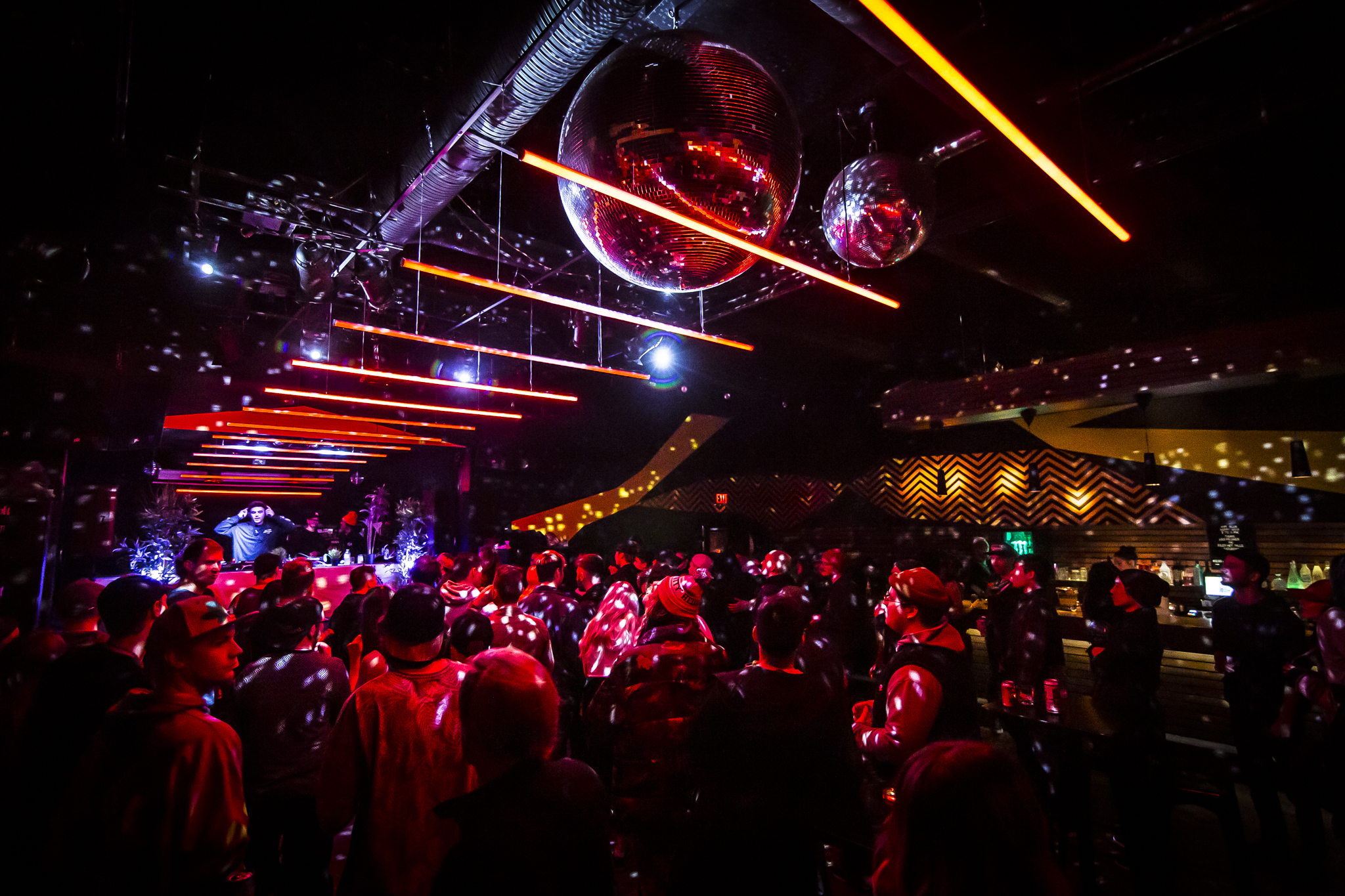 This permanent light installation at the Hifi Club was designed by Sergio SP. He will be in attendance to design a unique visual & lighting installation for Studio Bell After Hours. Photo: Neil McElmon (@ConcertSocks)