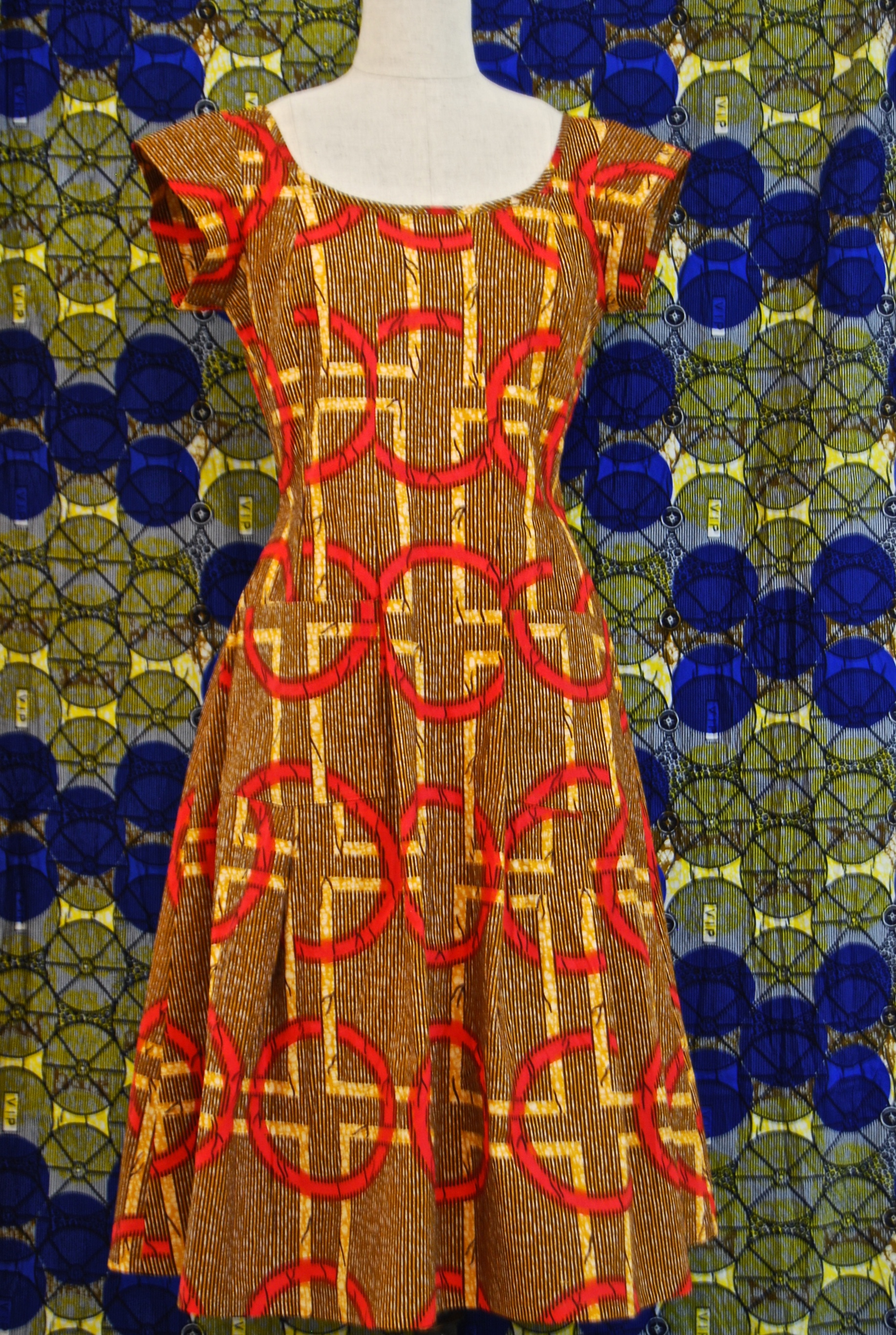 wax- print with pockets in a size 10-12