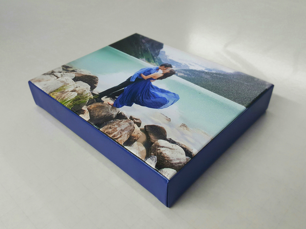 Gallery Wrap with Solid Colour Wrap