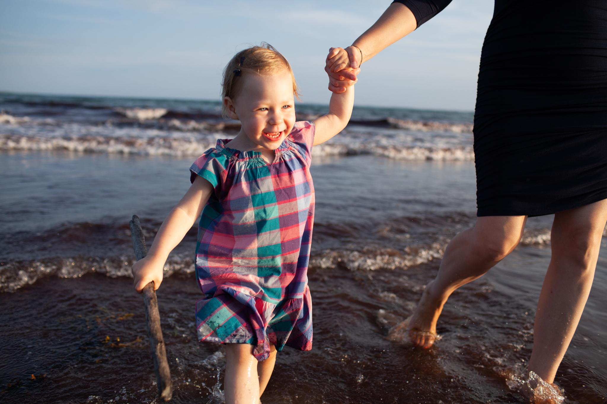 maine-family-photography-pine-point- beach-36.jpg