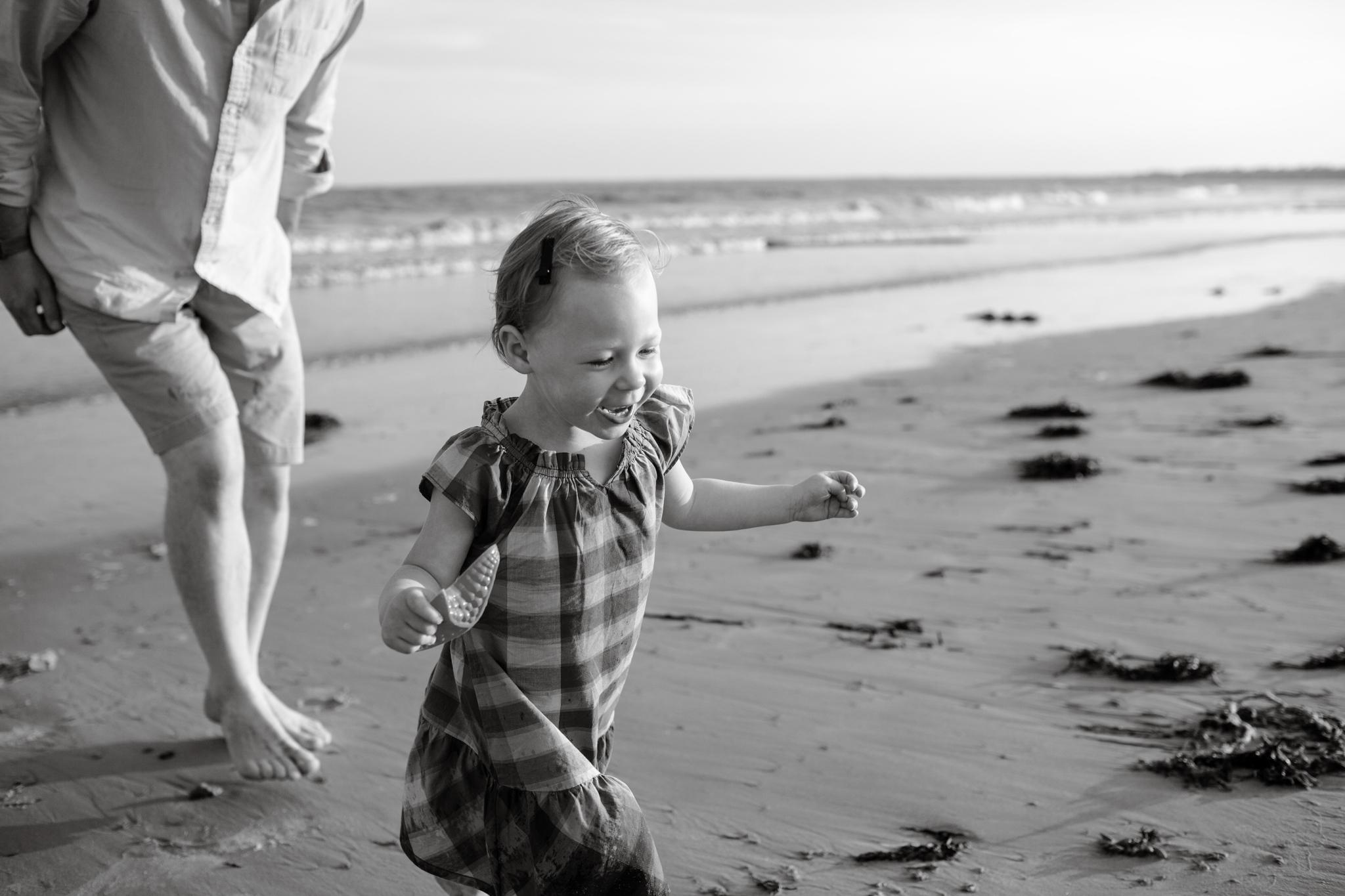 maine-family-photography-pine-point- beach-44.jpg