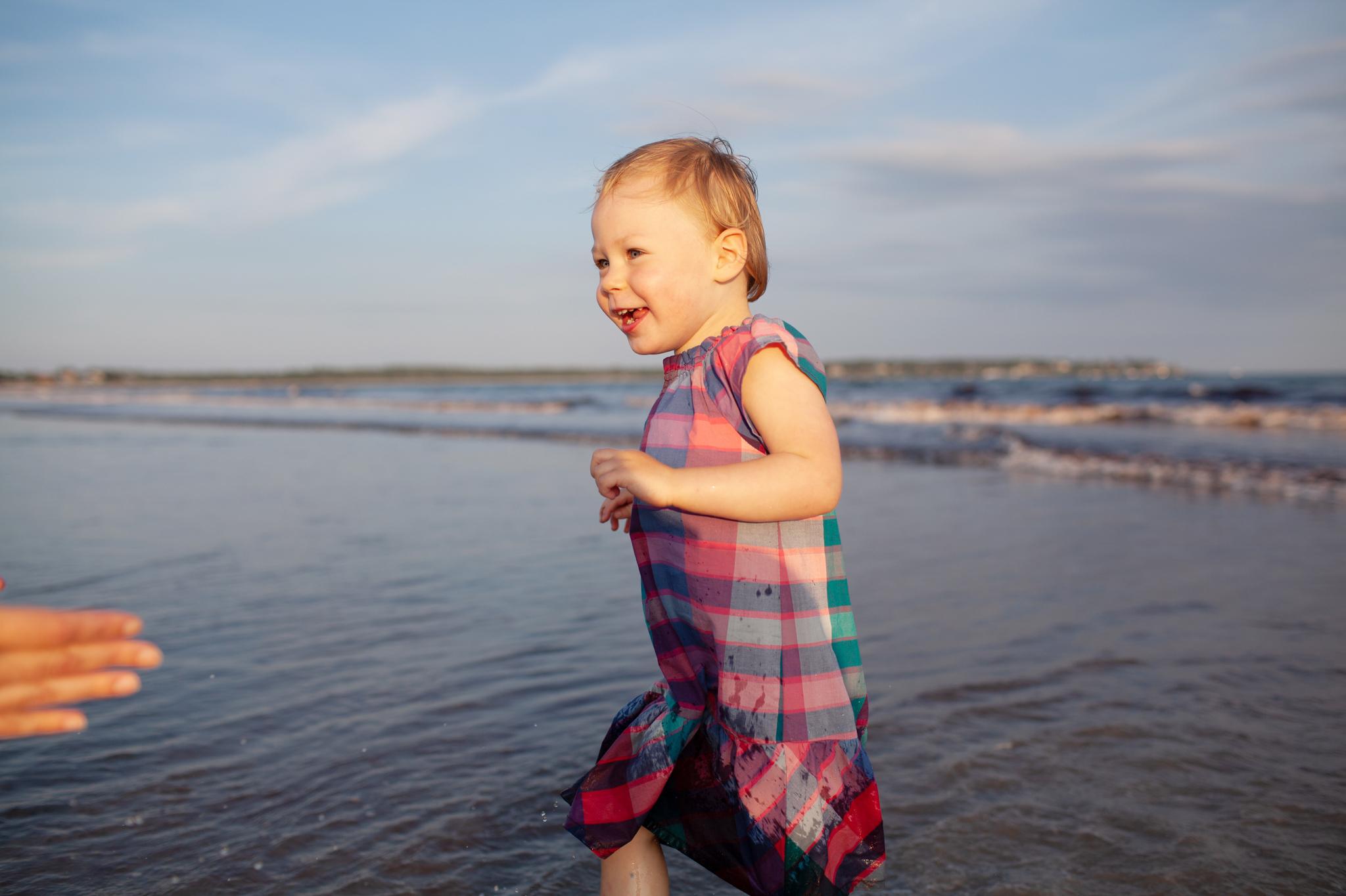 maine-family-photography-pine-point- beach-65.jpg