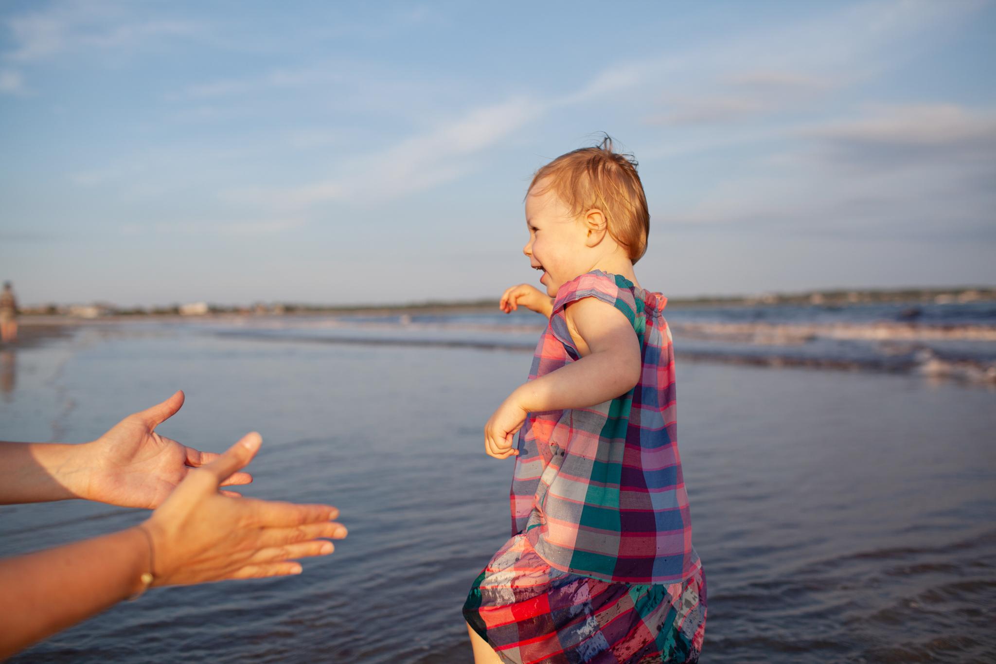 maine-family-photography-pine-point- beach-66.jpg