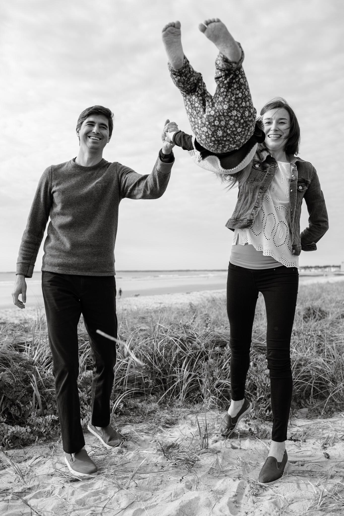 maine-family-photographer-pine-point-beach -36.jpg