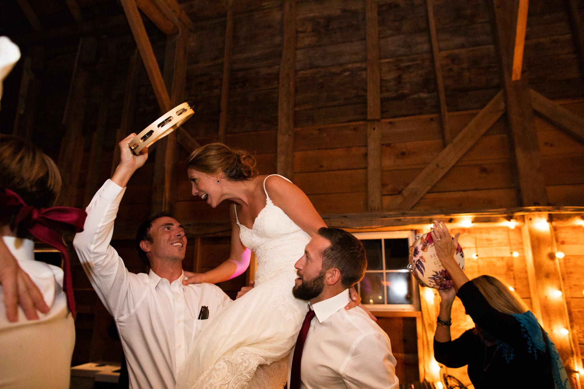 maine-farm-wedding-photographer-stepheneycollins-322.jpg