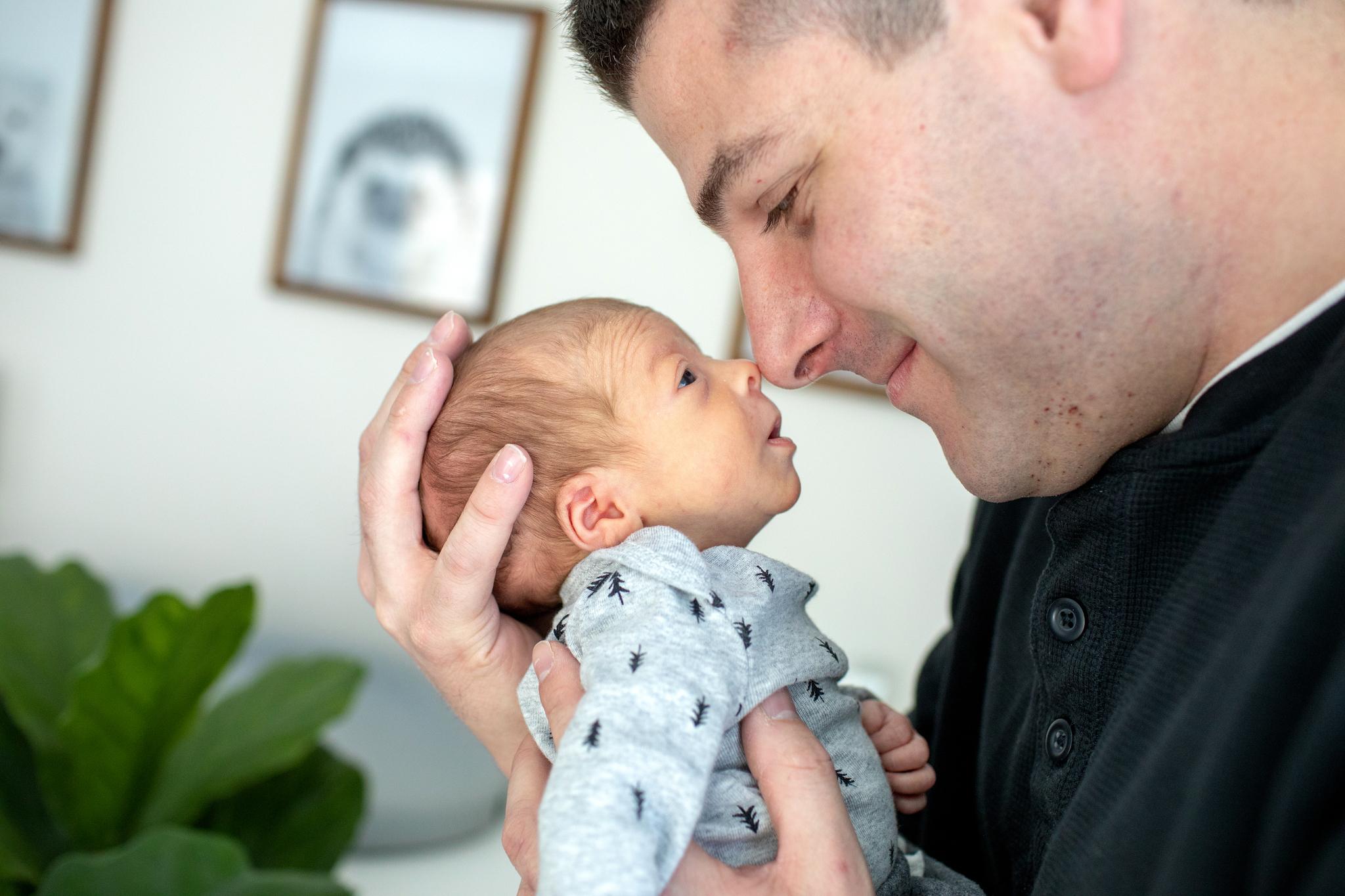 maine-newborn-lifestyle-photographer-28.jpg