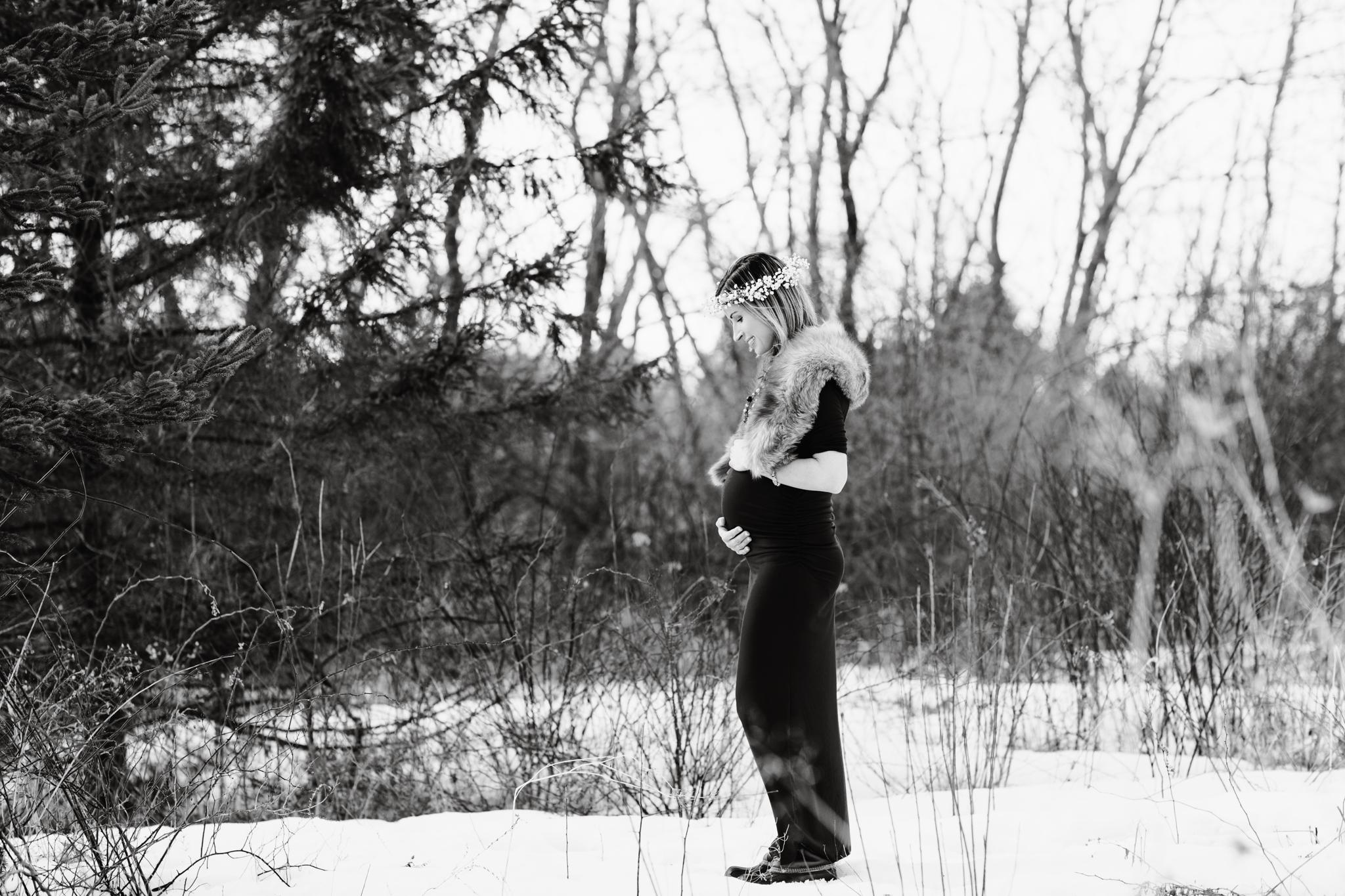 maine-maternity-photographer-winter -3.jpg