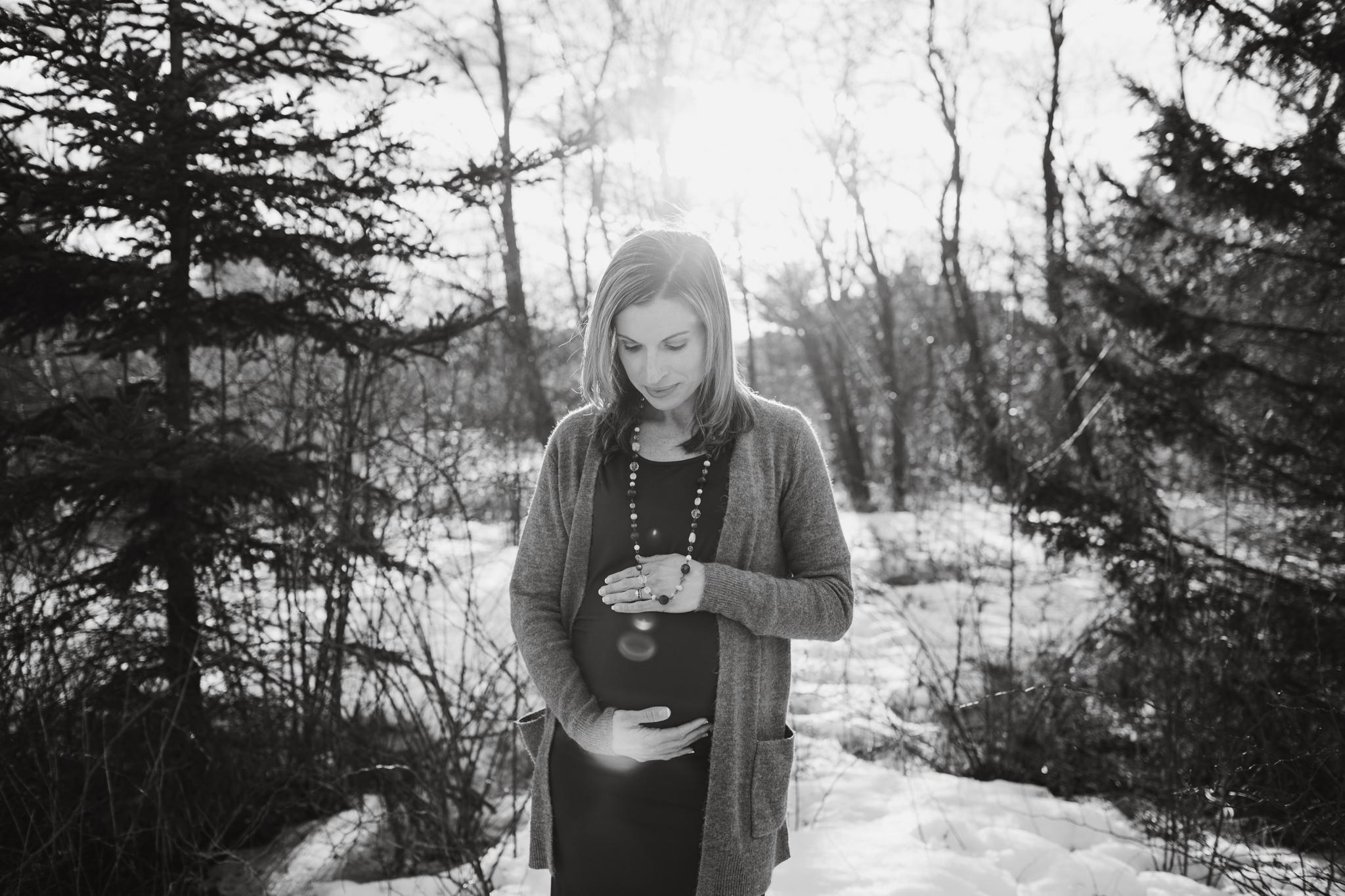 maine-maternity-photographer-winter -6.jpg