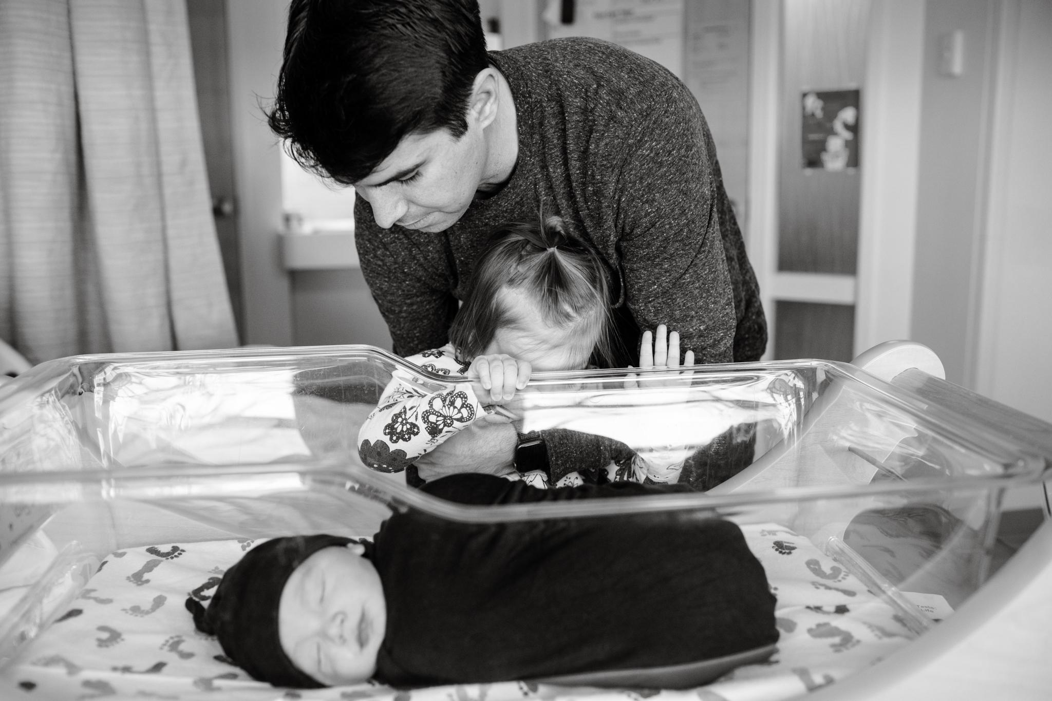 maine-newborn-fresh48-photographer -8.jpg
