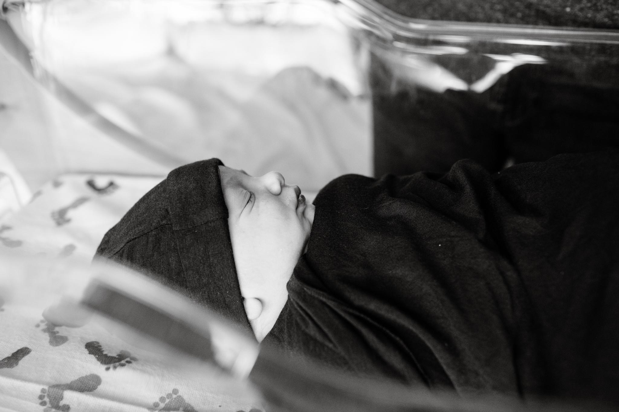 maine-newborn-fresh48-photographer -9.jpg