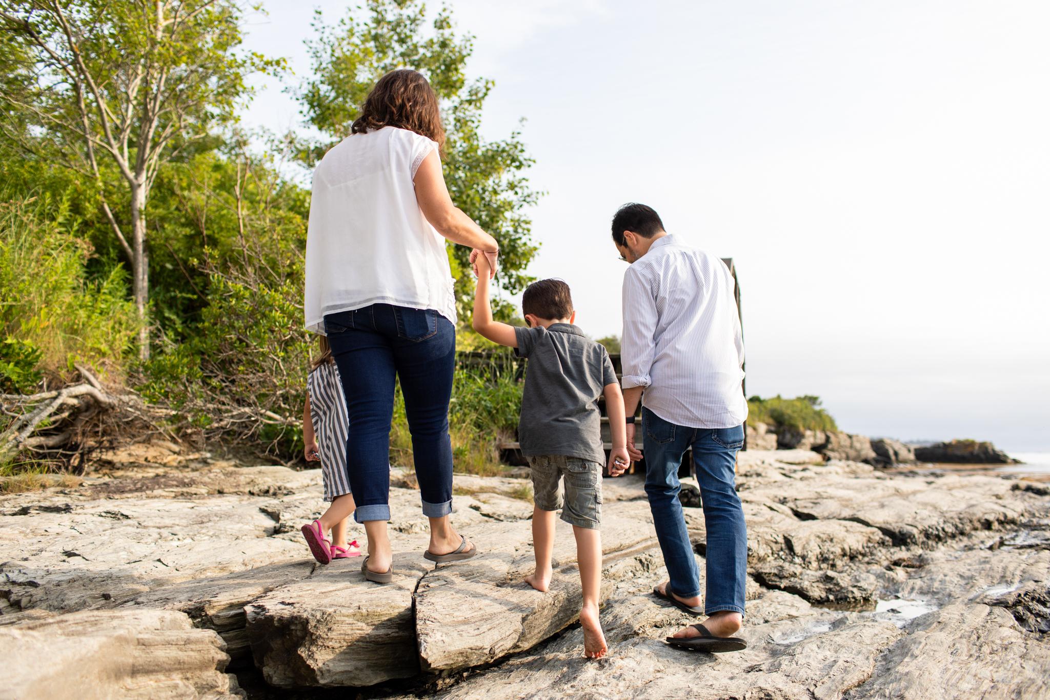 maine-family-photographer-beach-lifestyle -1.jpg