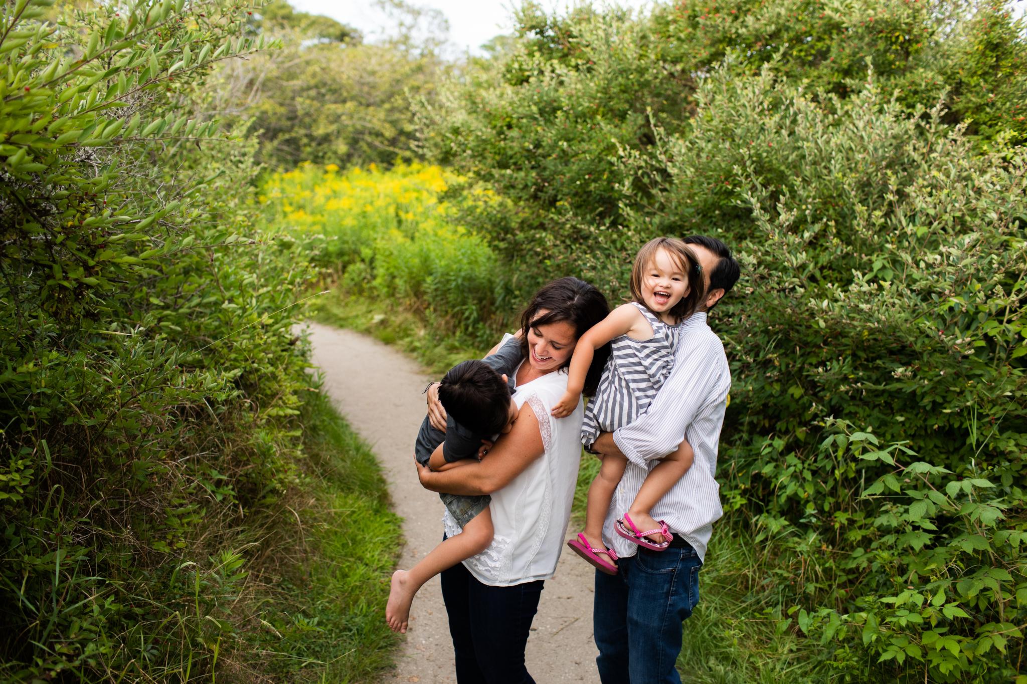 maine-family-photographer-beach-lifestyle -4.jpg