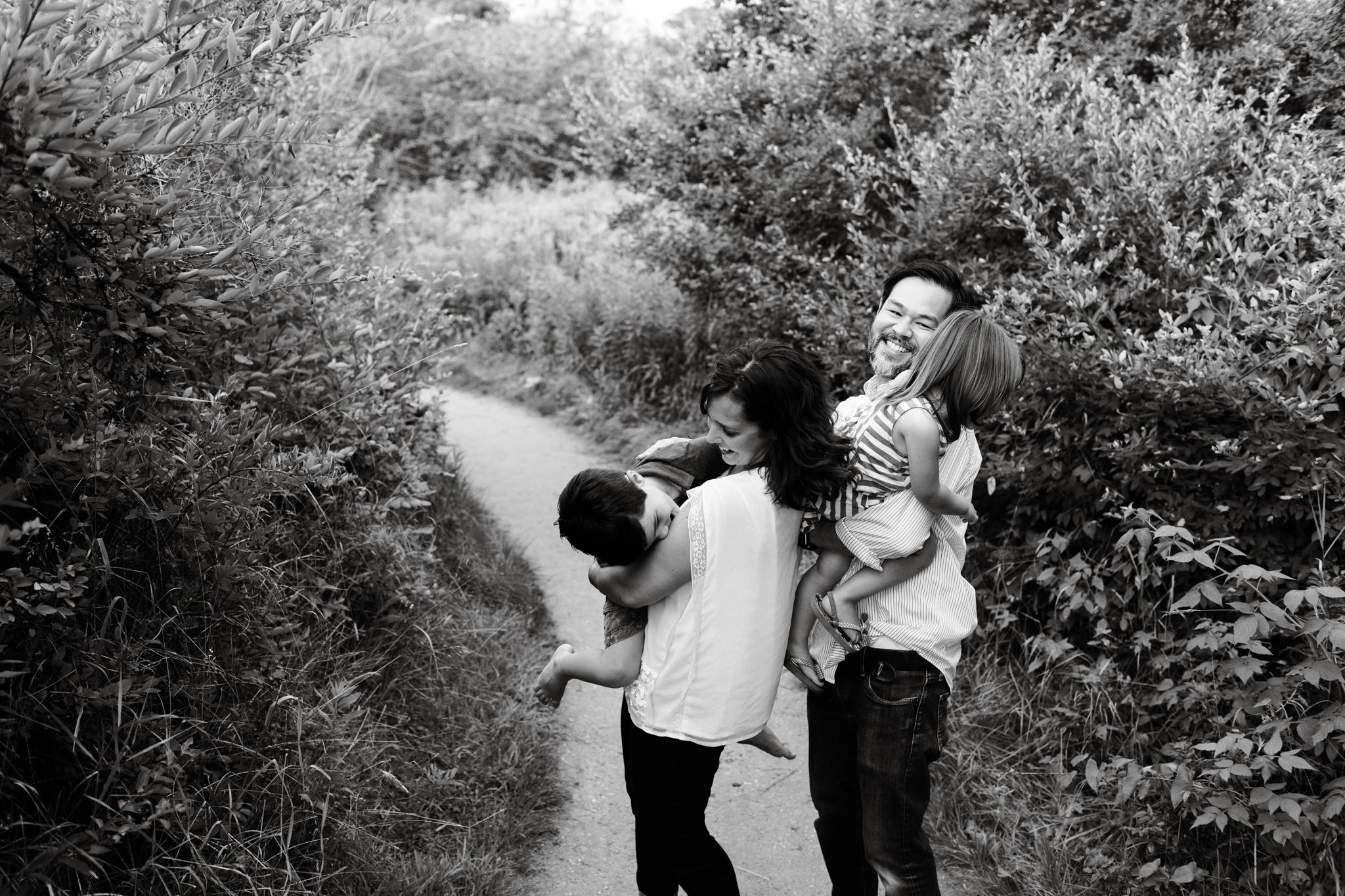 maine-family-photographer-beach-lifestyle -5.jpg