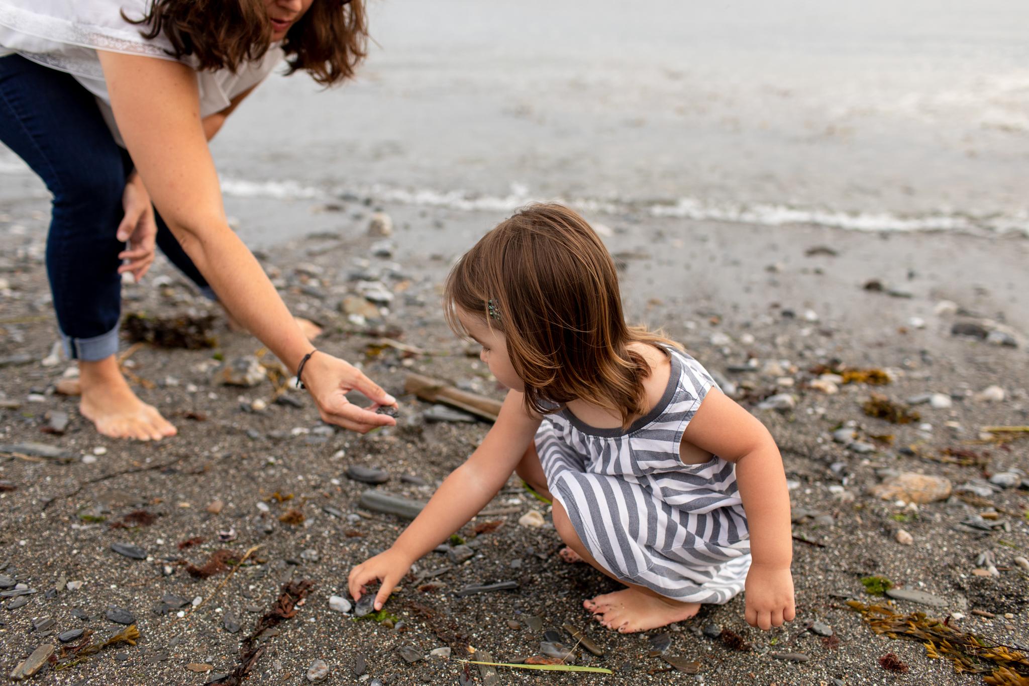 maine-family-photographer-beach-lifestyle -28.jpg
