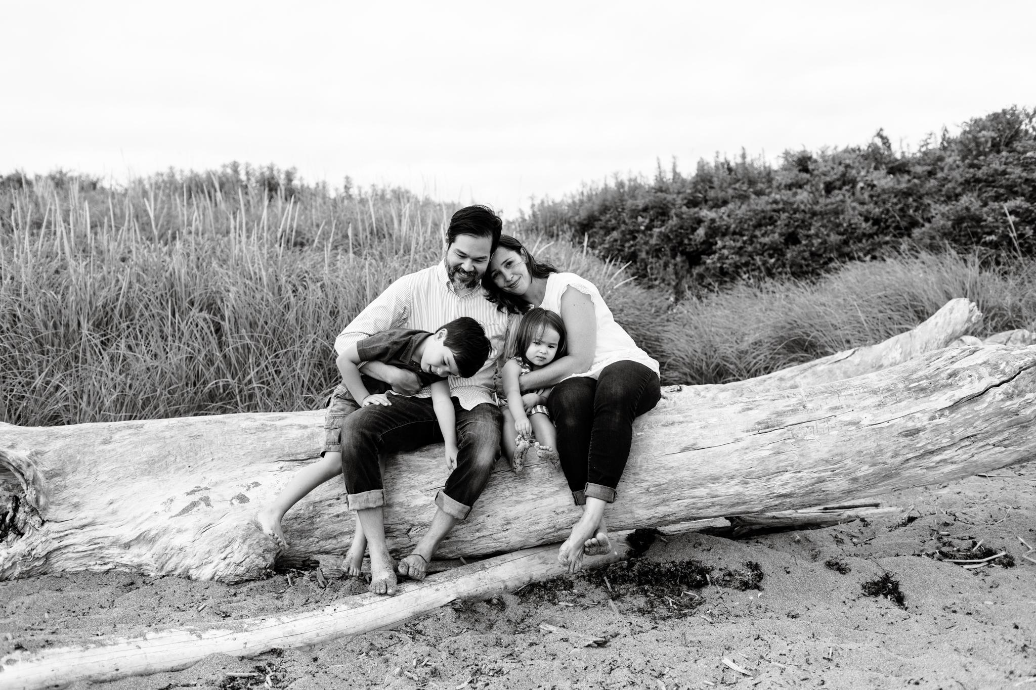 maine-family-photographer-beach-lifestyle -35.jpg