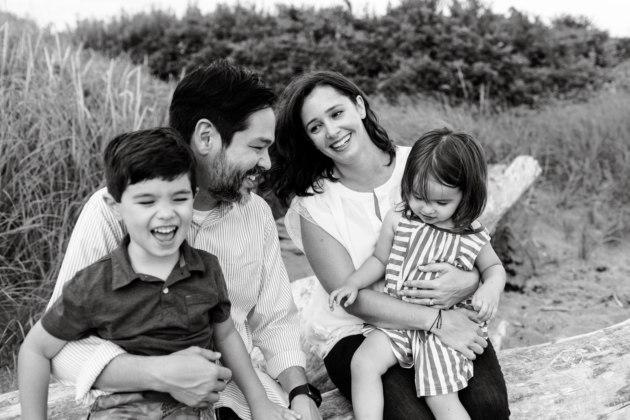 maine-family-photographer-beach-lifestyle -38.jpg