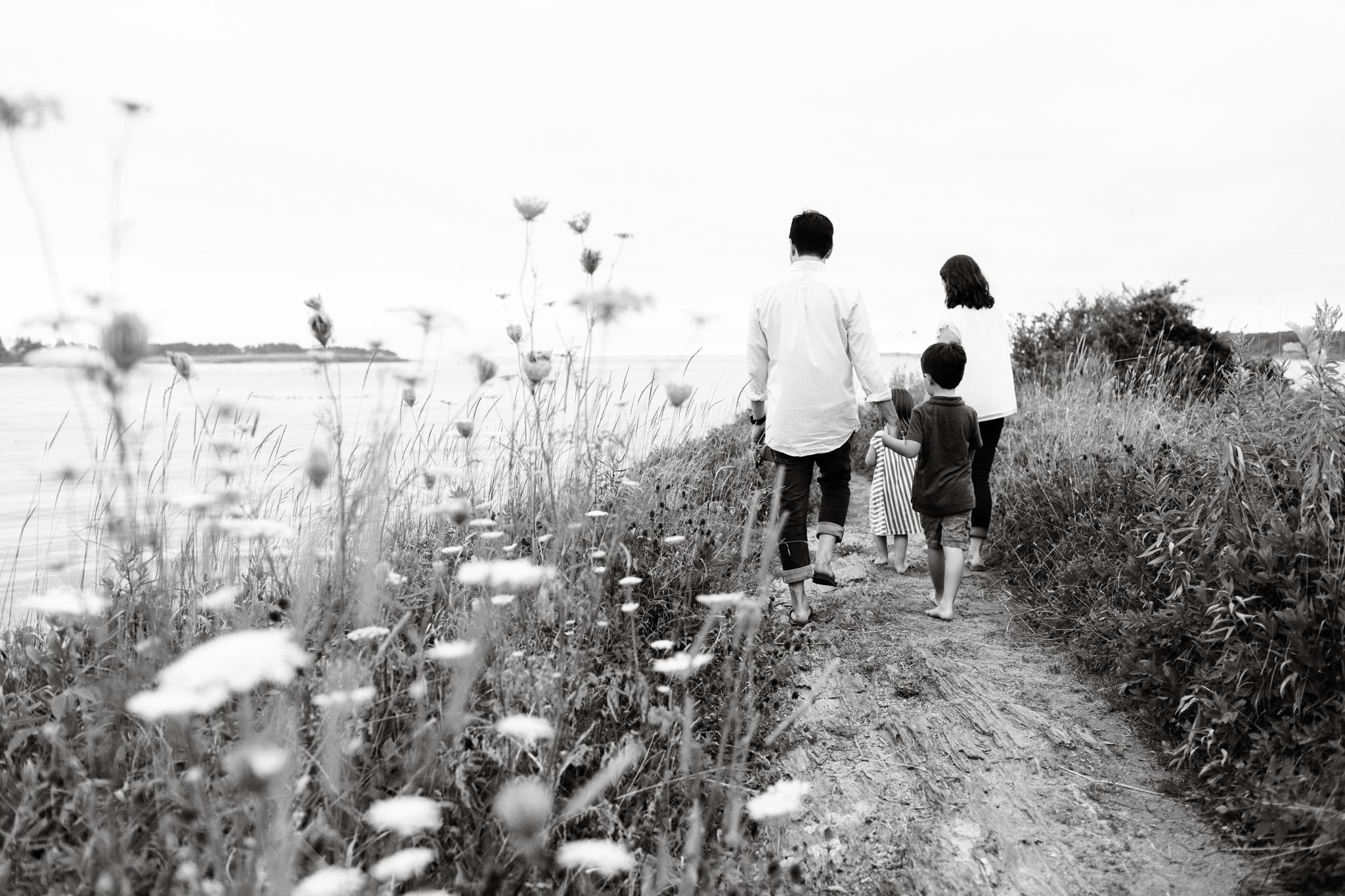maine-family-photographer-beach-lifestyle -56.jpg