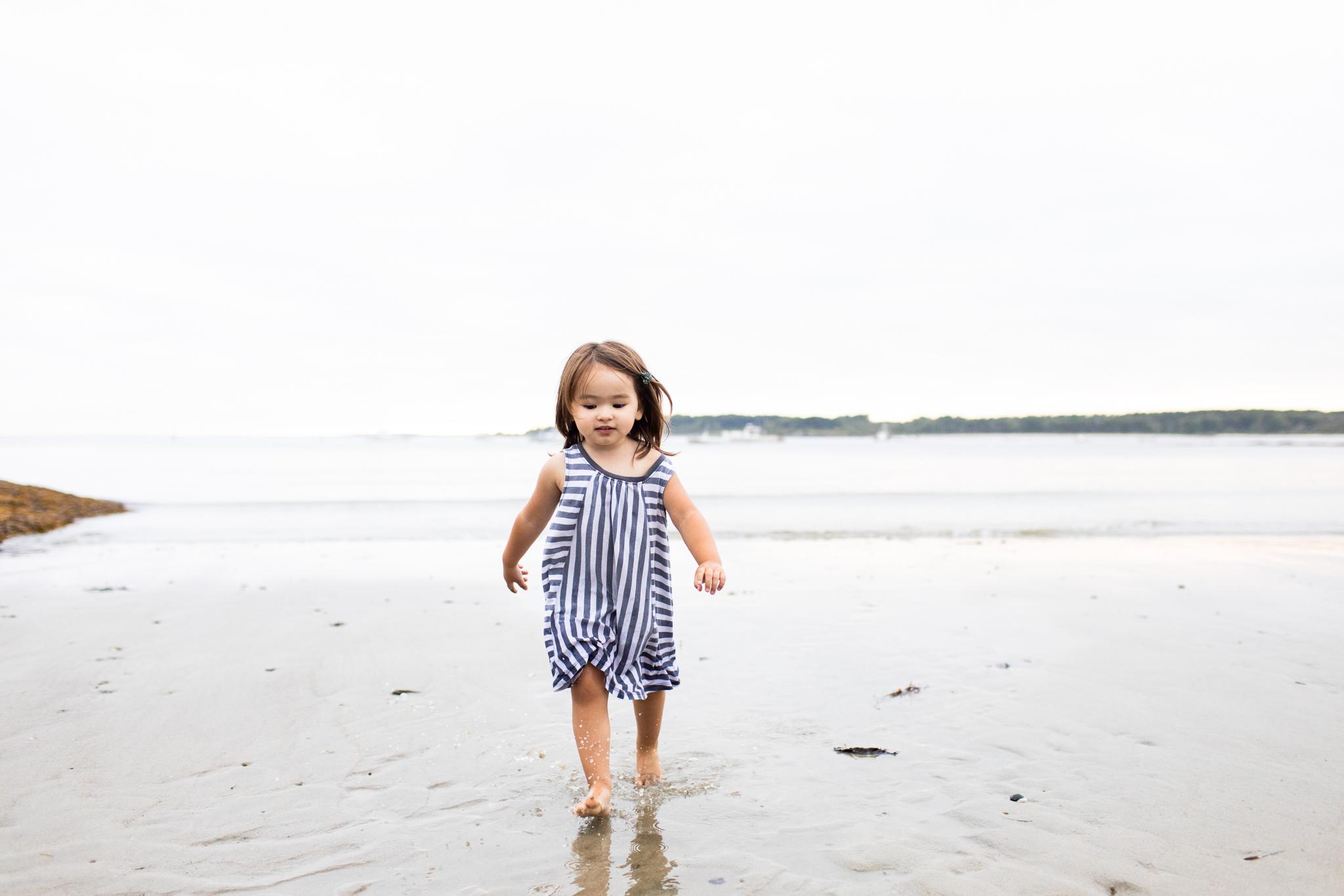maine-family-photographer-beach-lifestyle -70.jpg