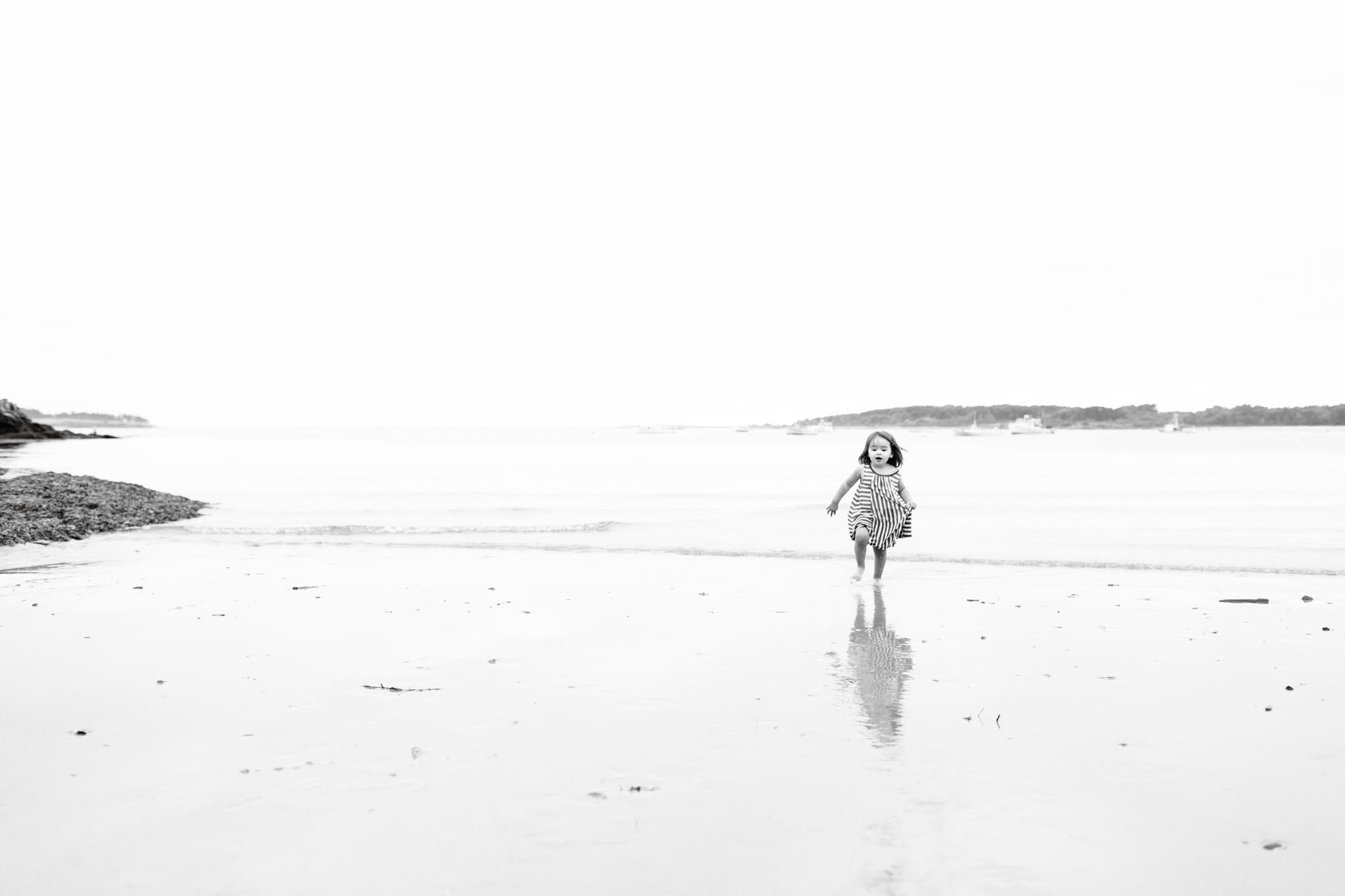 maine-family-photographer-beach-lifestyle -75.jpg