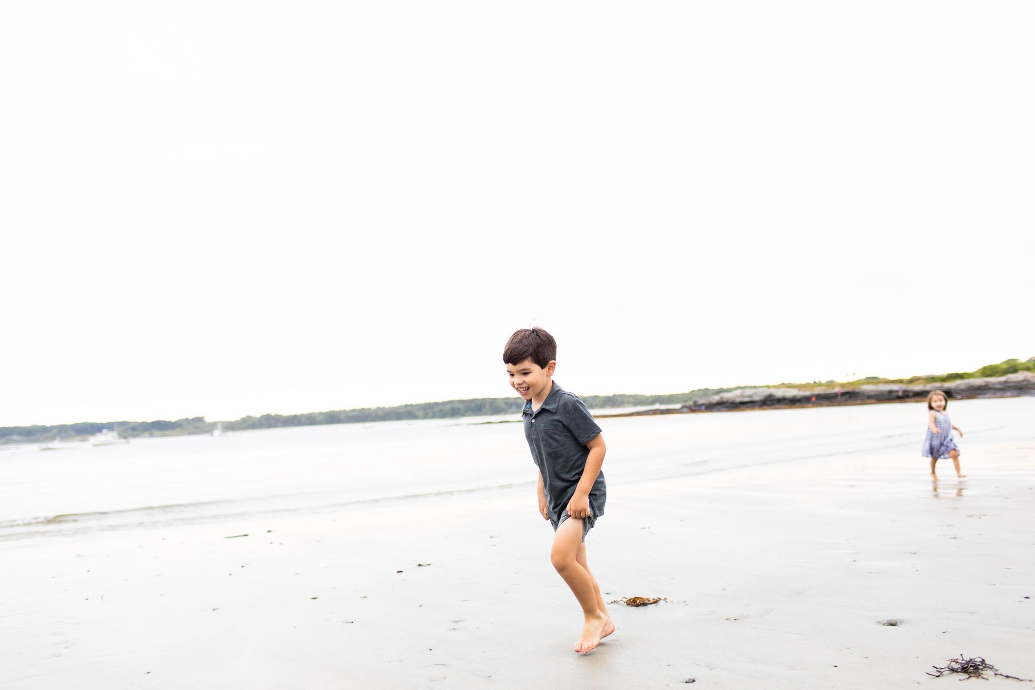 maine-family-photographer-beach-lifestyle -76.jpg