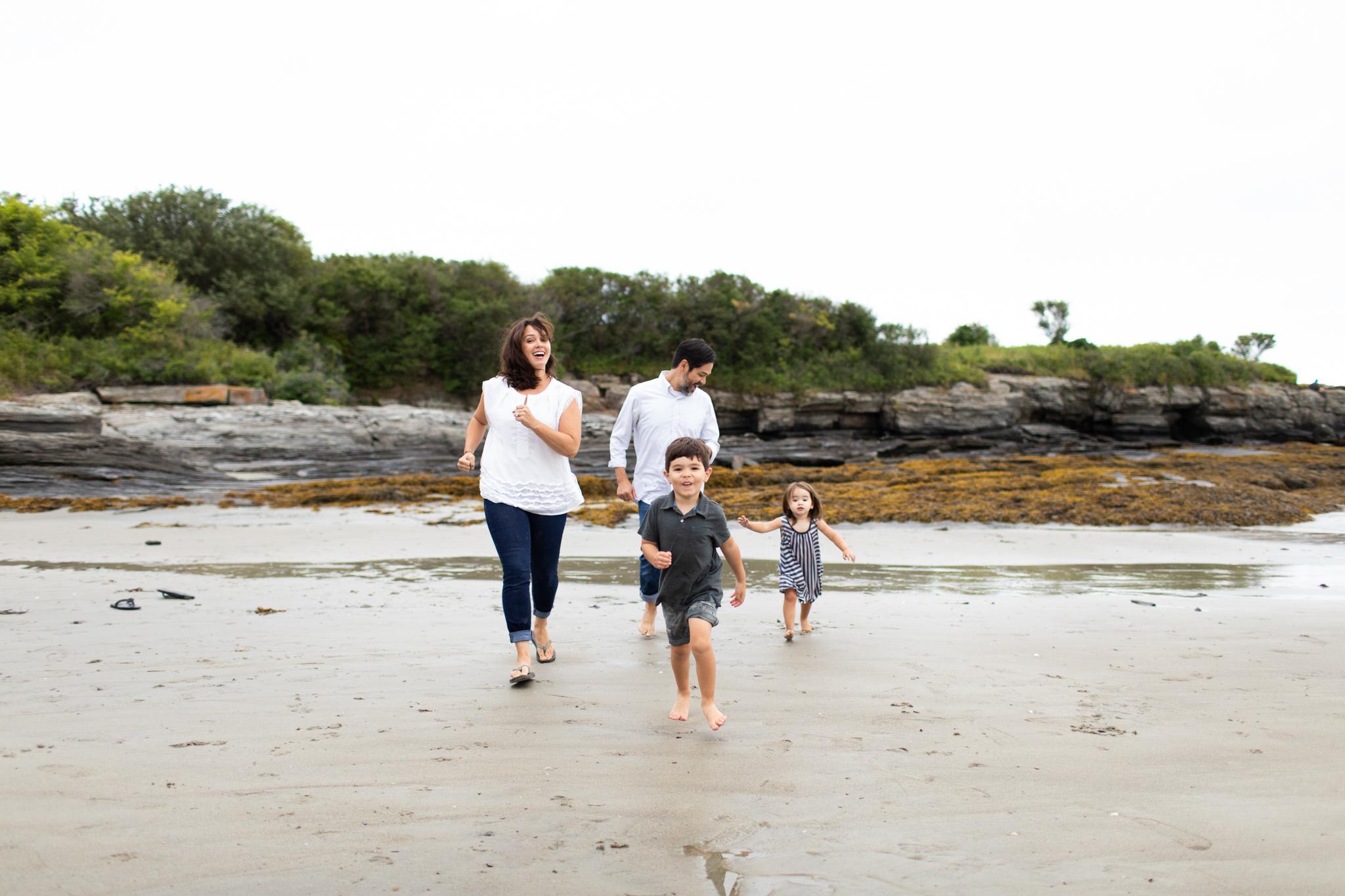 maine-family-photographer-beach-lifestyle -90.jpg