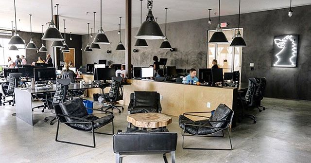 Going back to work after the holiday is never easy😩 but when you've got killer office vibes like this at @dragonarmy, it makes things a little easier😏 Featuring our Porcelain Panther pendants in front & Cooper pendants in back🤙🏼 Get your very own at fixtelectric.com⚡️ #oldlightsnewlife  Interior design: @flagsoforigin