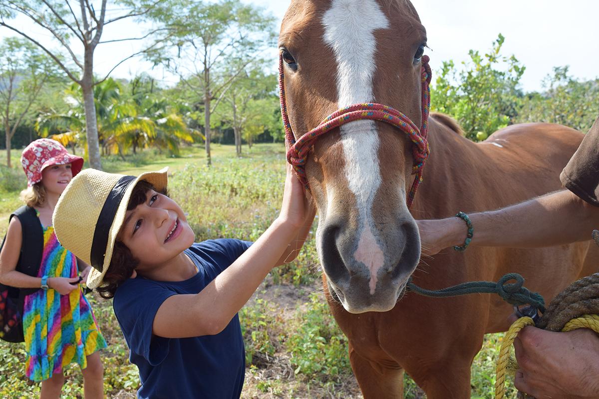 Elian_caballo_rancho.jpg