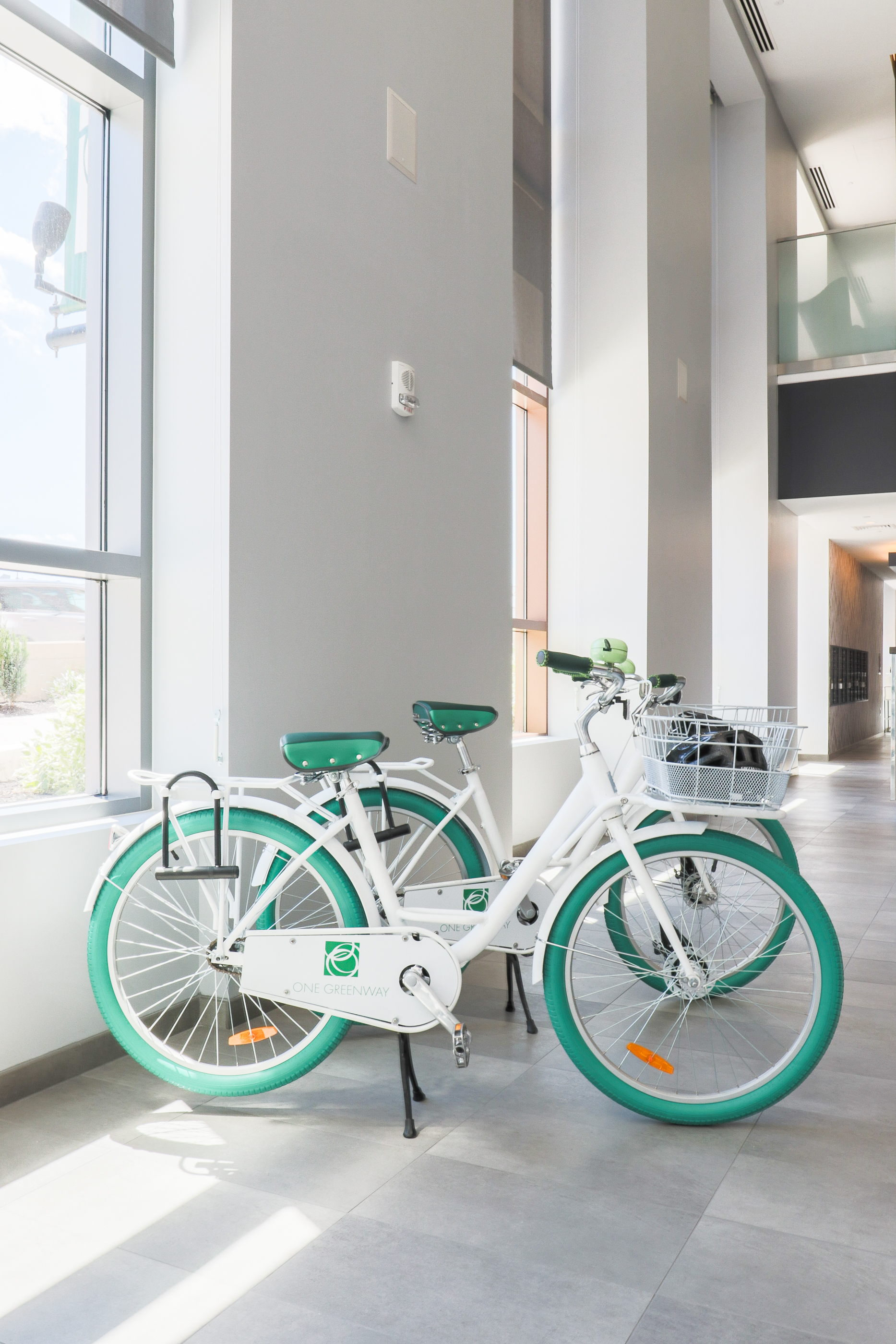 The amenities at these places are getting more and more creative. Free loaner bikes for residents at One Greenway