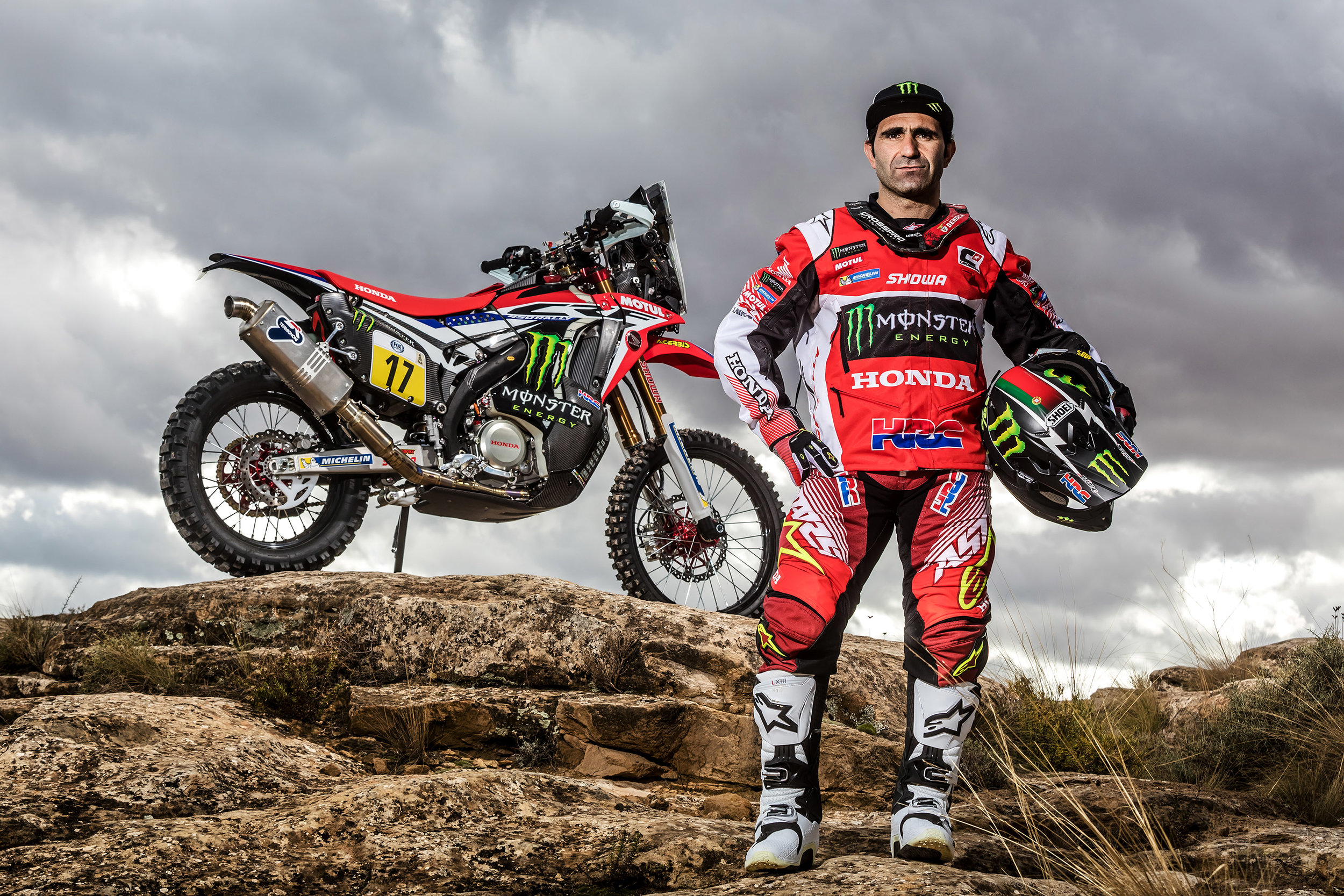 Paulo Goncalves and the CRF450 RALLY.jpg