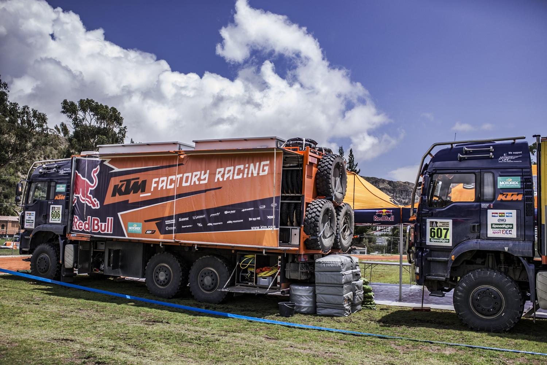 Trucks Red Bull KTM Factory Racing Dakar 2017.jpg