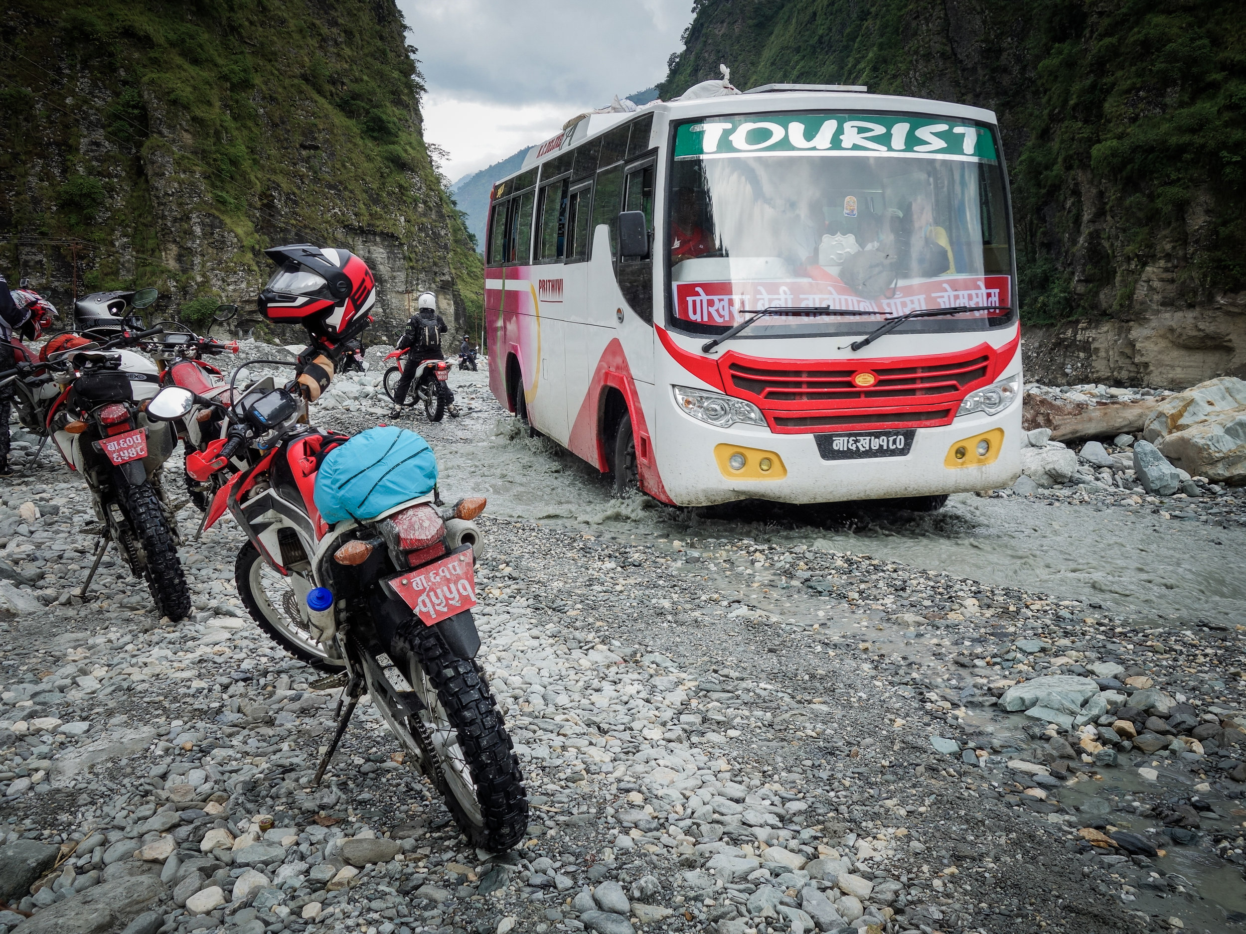 TWHMC-nepal-motorcycle-adventure-2016-03871-2.jpg