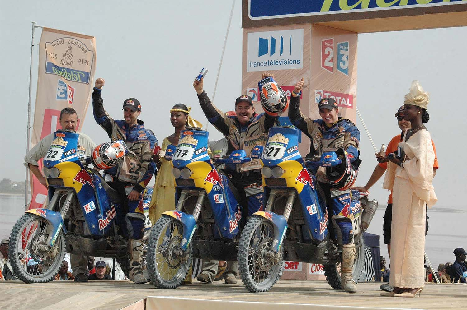 2005 Red Bull Team podium at Lac Rose