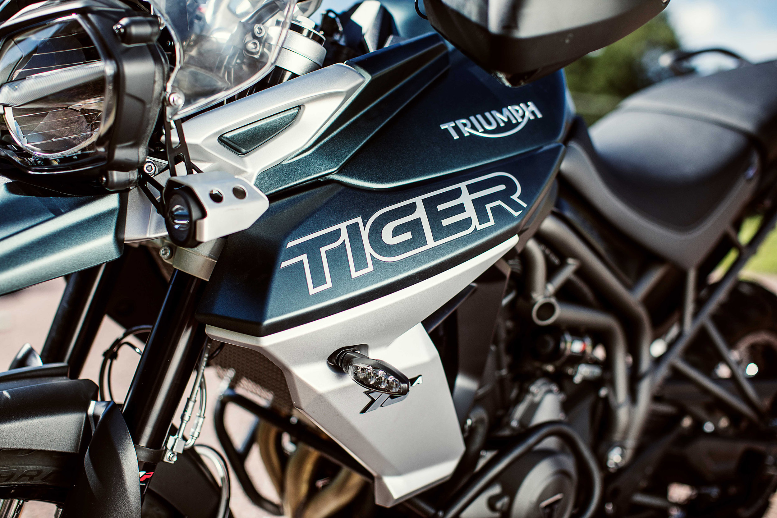 Details_and_Features_Tiger_800_XCA_(1).jpg