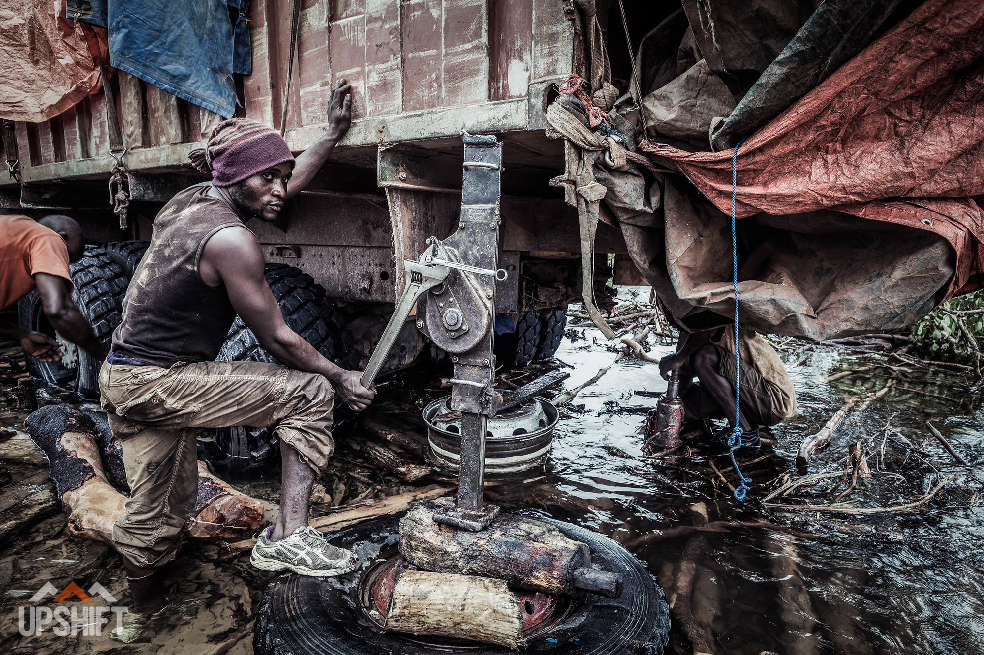 INTO THE WORLD - CROSSING THE CONGO-8.jpg