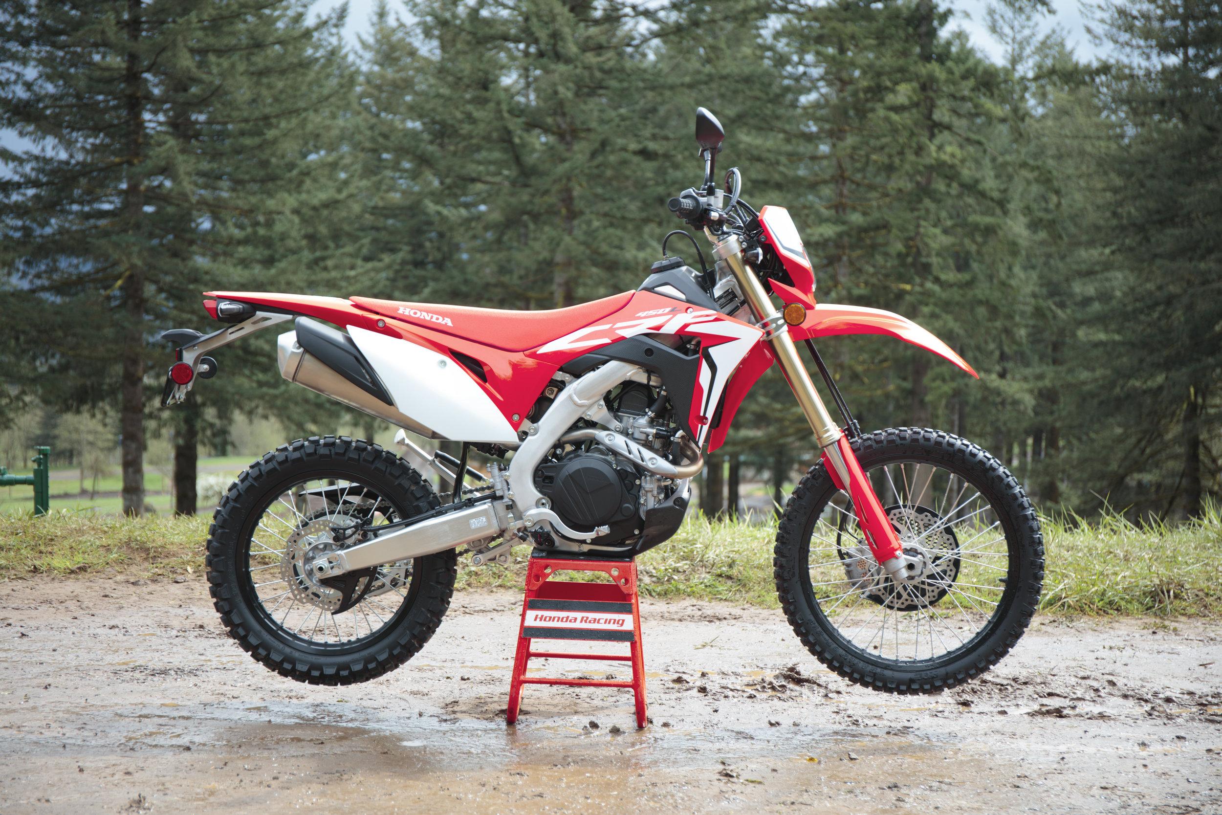 19 Honda CRF450L_Beauty_4.jpg