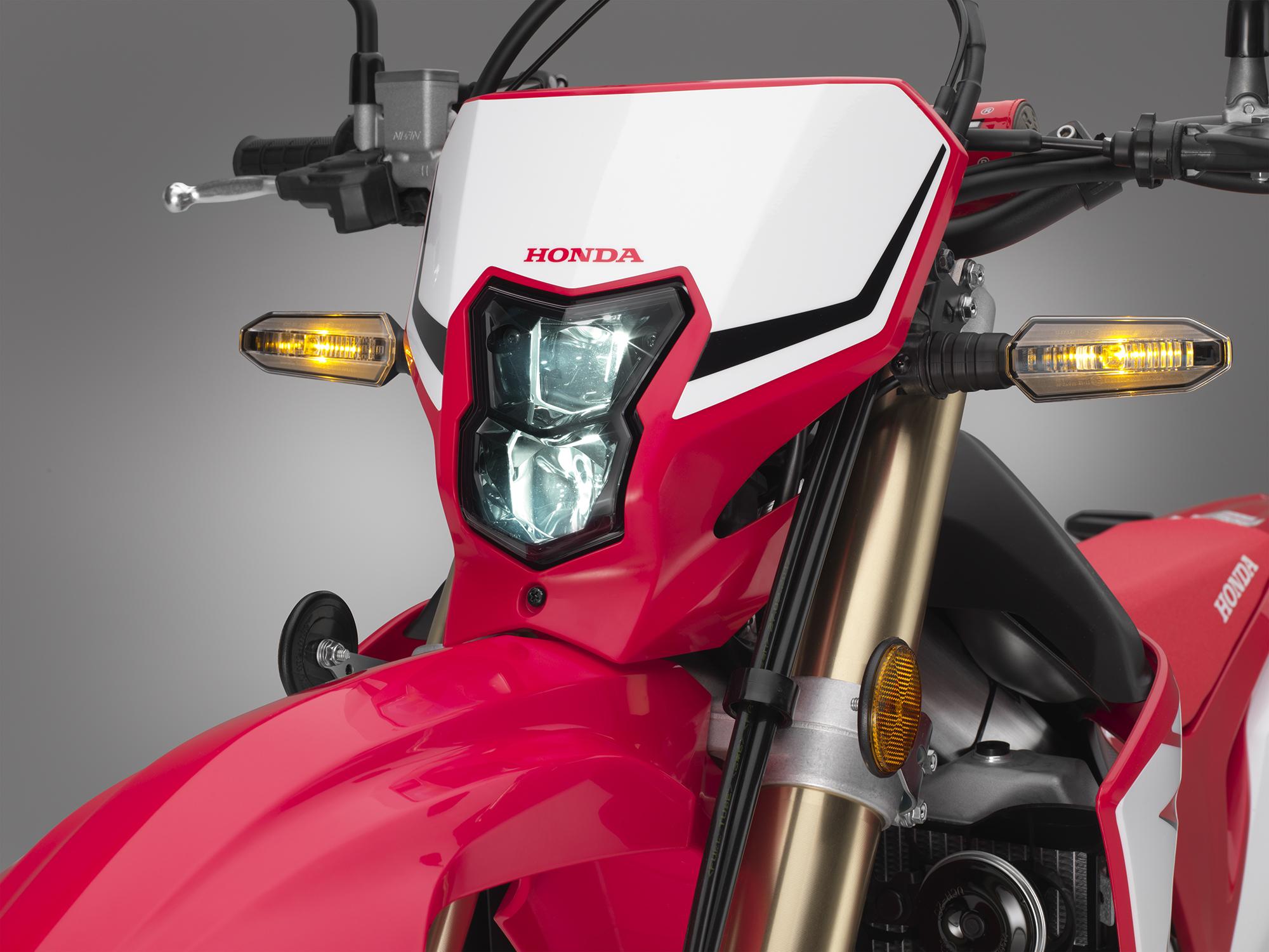 19 Honda CRF450L_headlight on.jpg