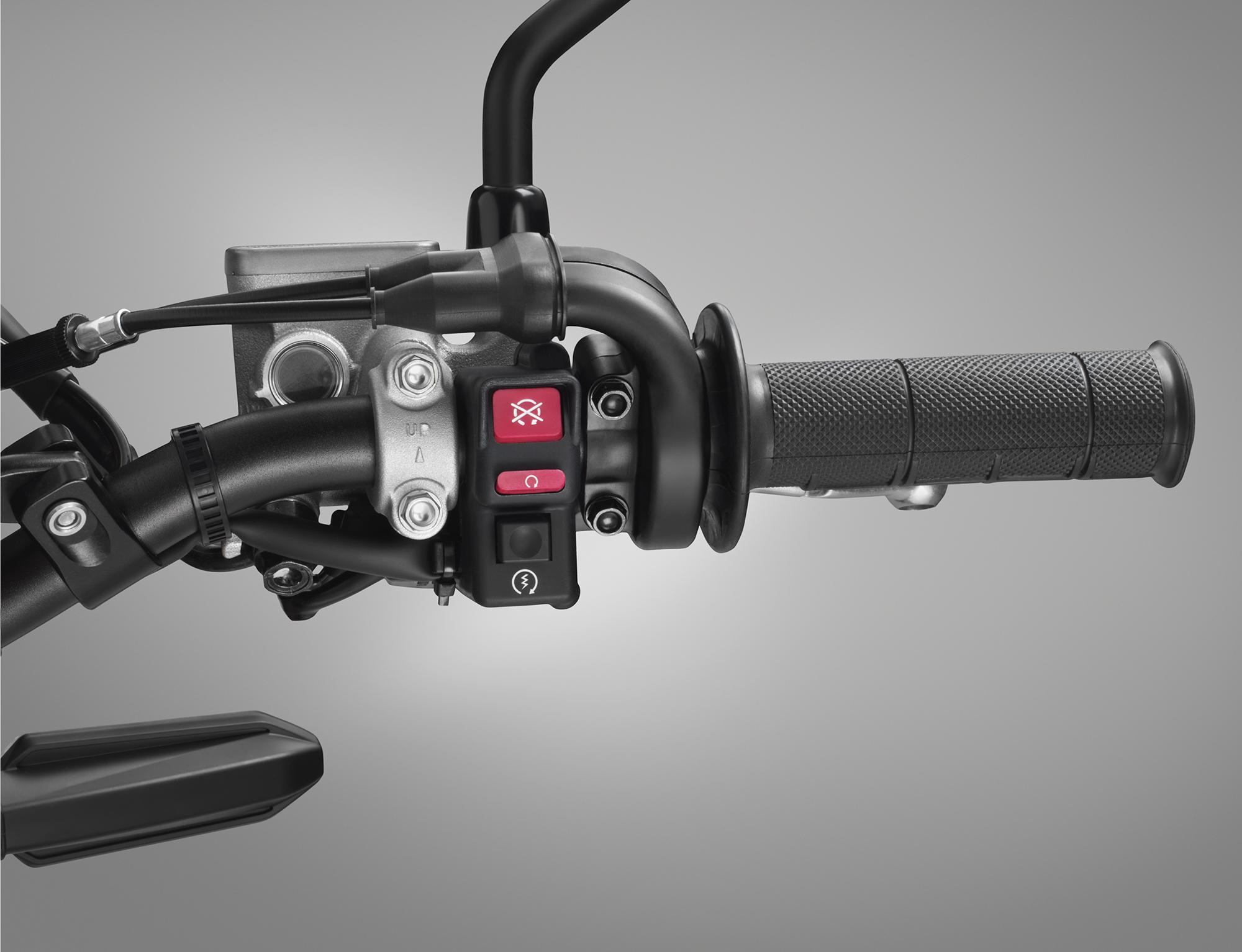 19 Honda CRF450L_handlebar switch R.jpg