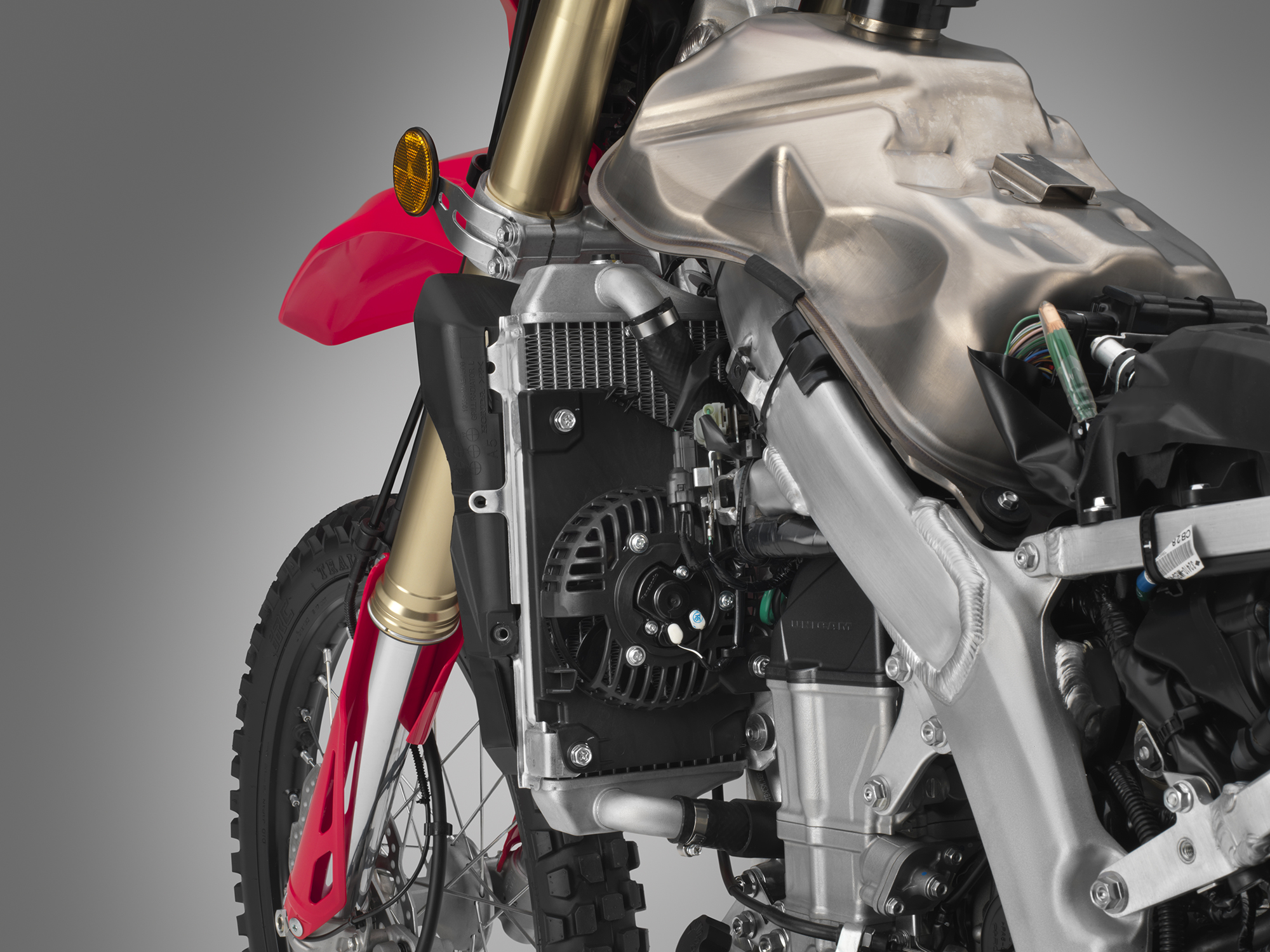 19 Honda CRF450L_fan.jpg
