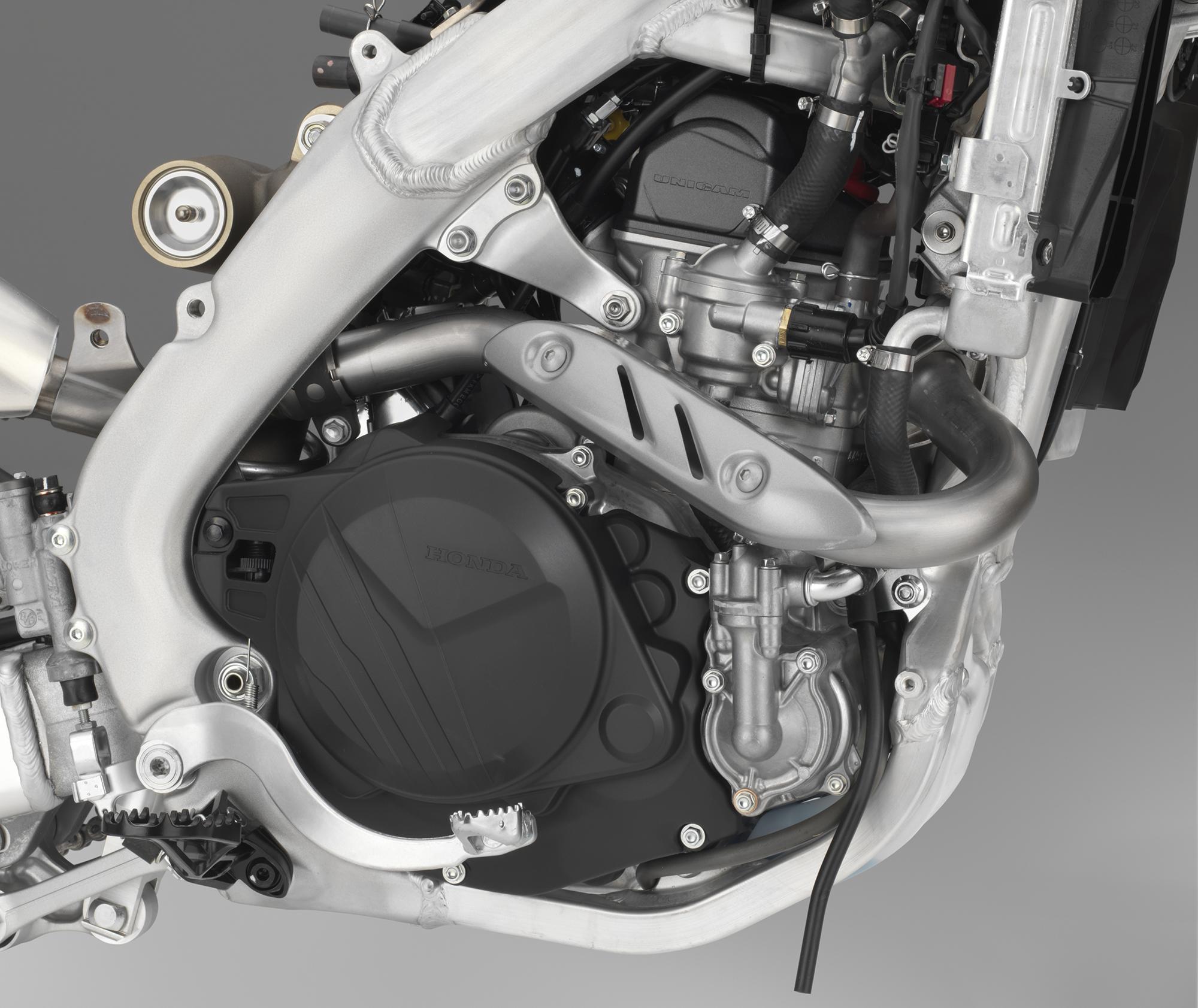 19 Honda CRF450L_engine R.jpg