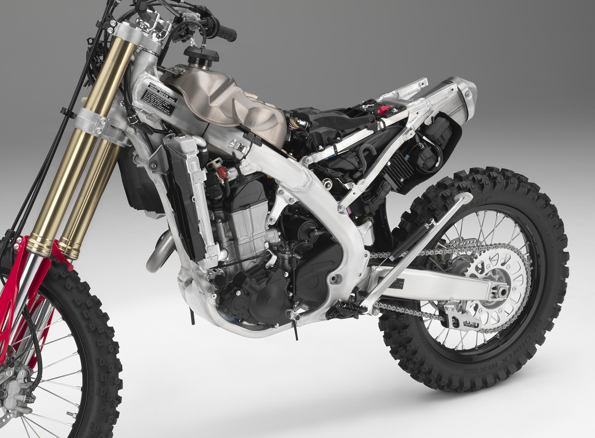 19 Honda CRF450X_frame L.jpg