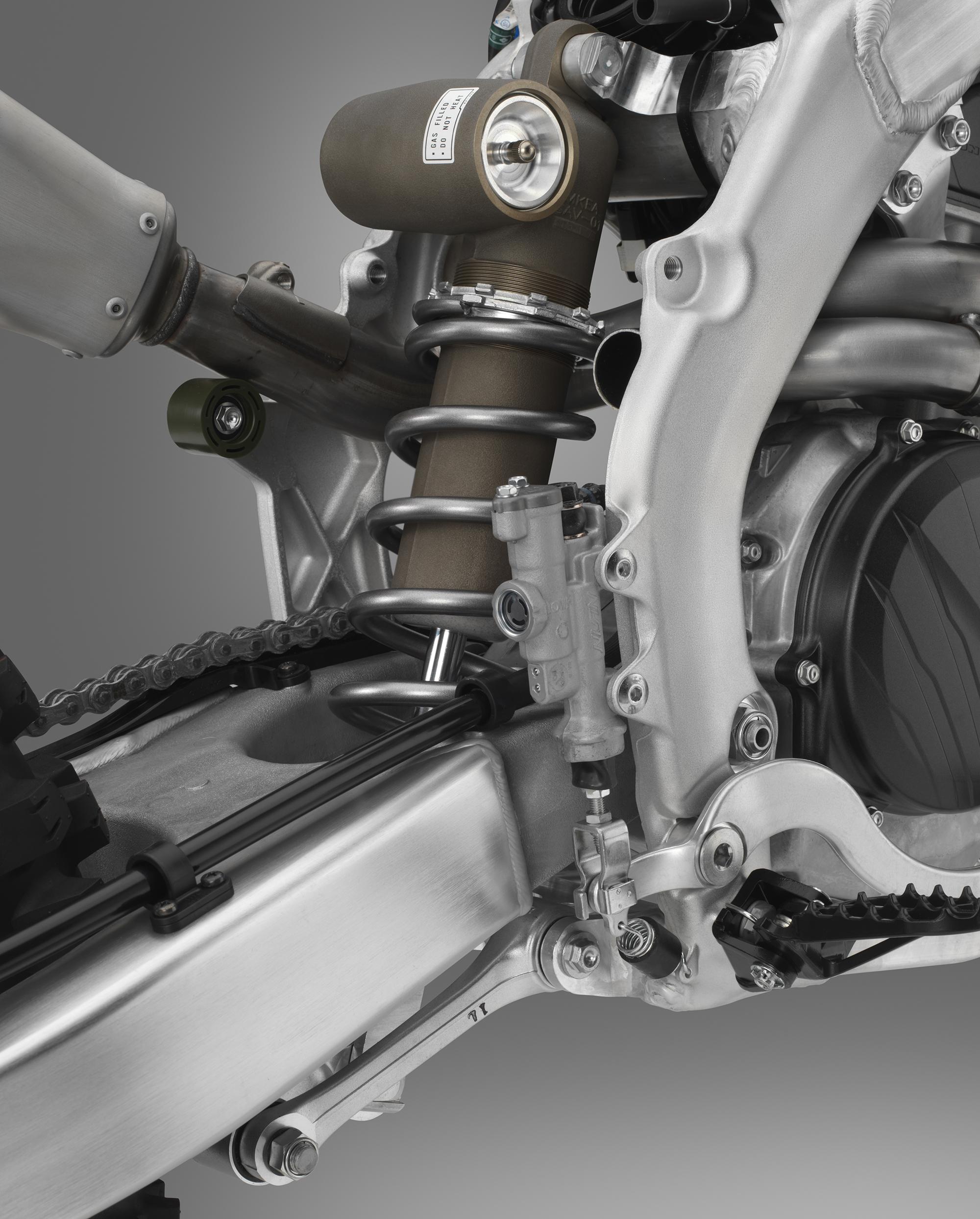 19 Honda CRF450RX_shock.jpg