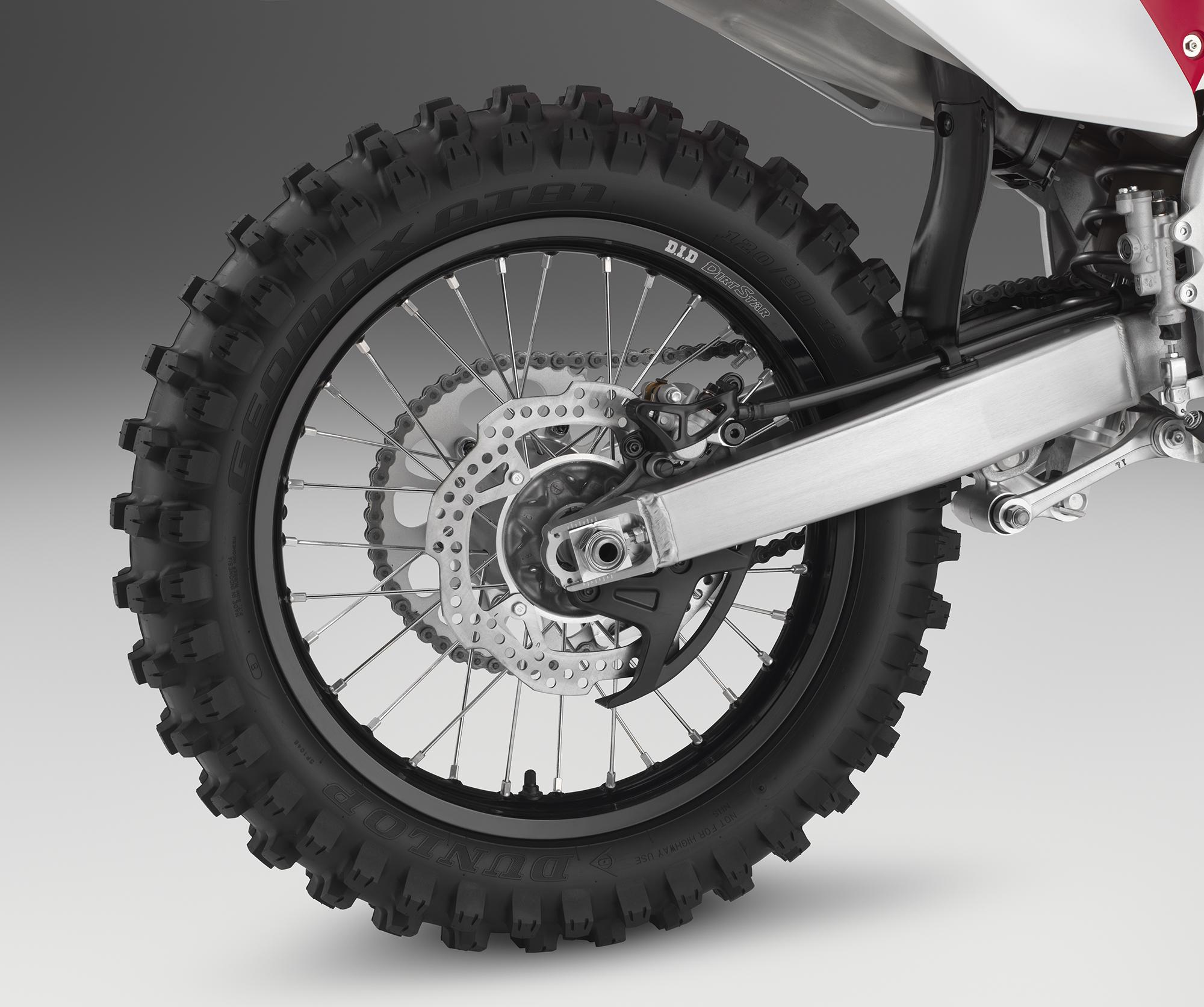 19 Honda CRF450RX_rear wheel.jpg