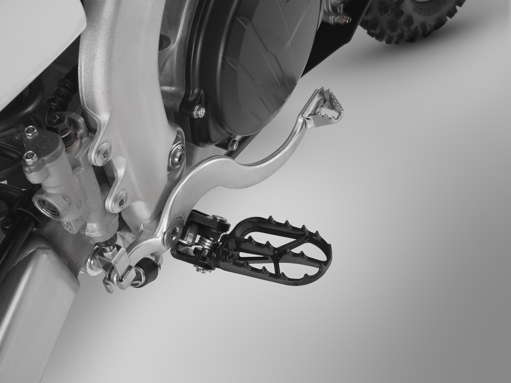 19 Honda CRF450RX_footpeg.jpg